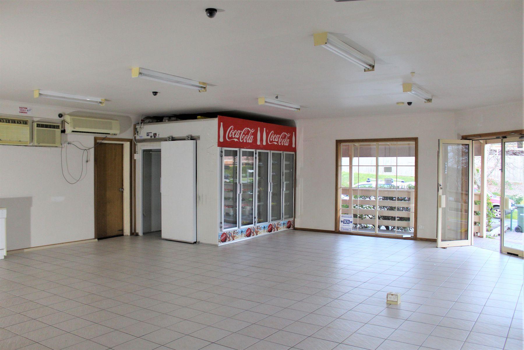 1 Leigh Drive, Pakenham, VIC 3810