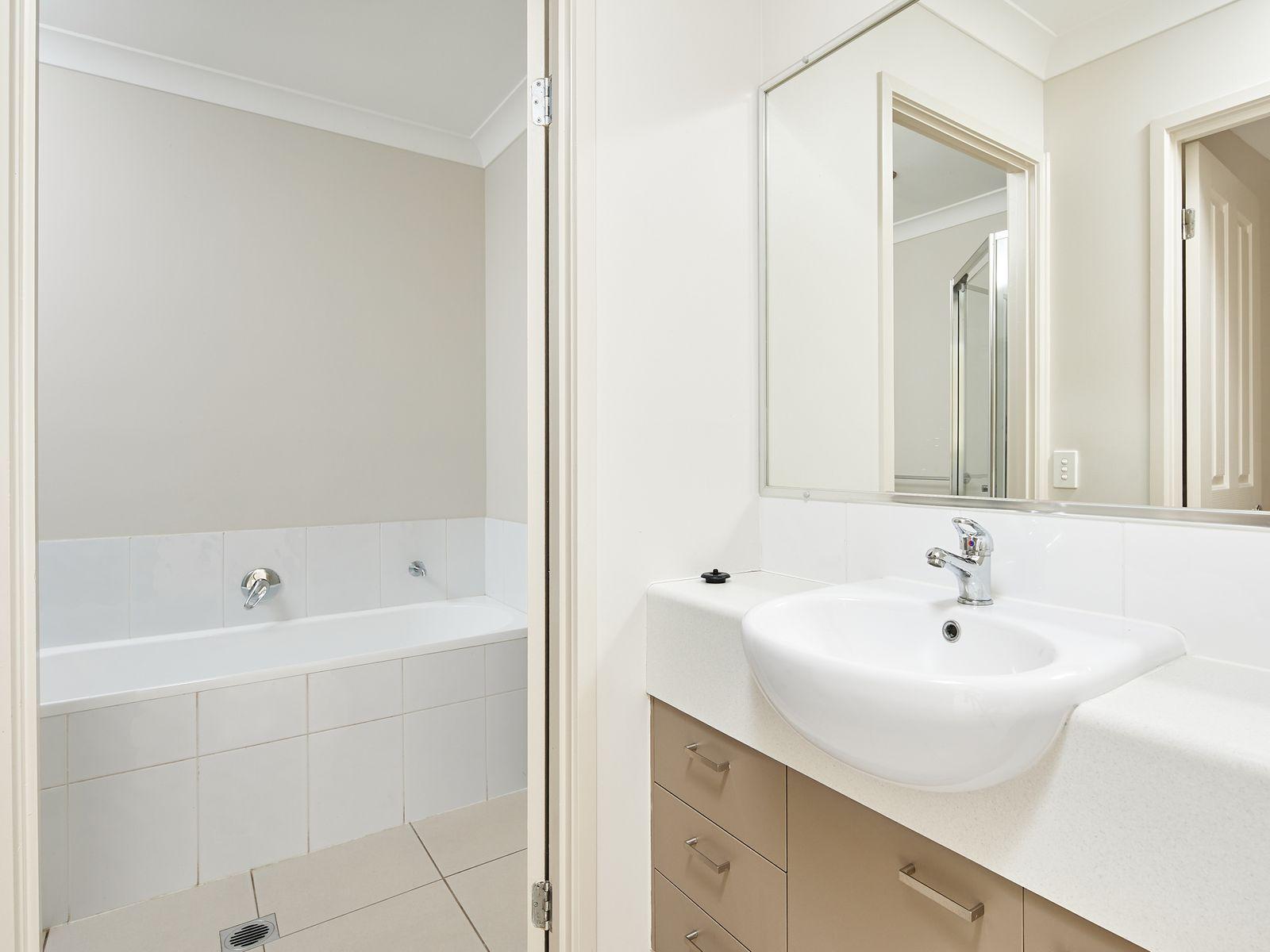 21 Ritz Drive, Coomera, QLD 4209