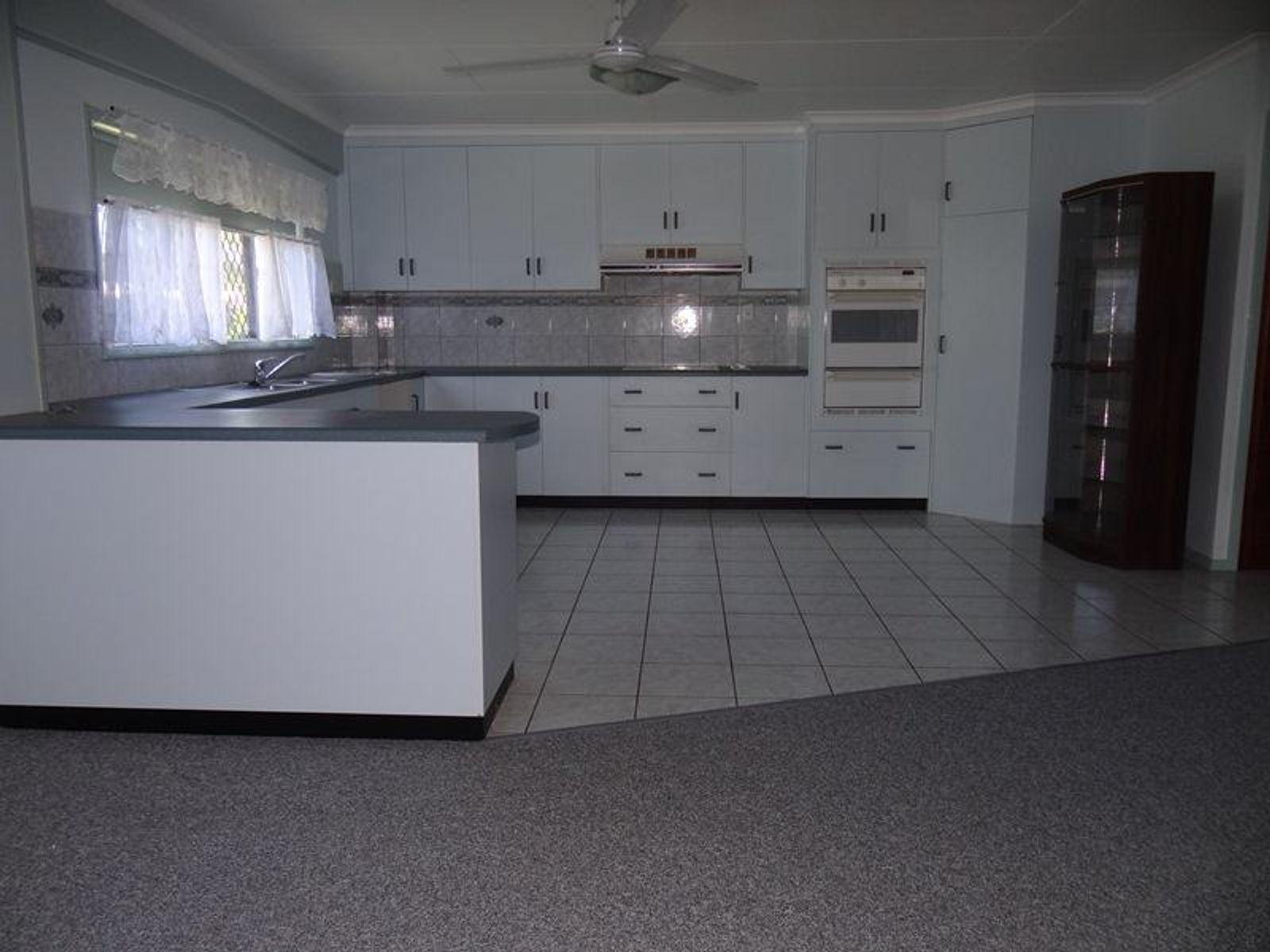 3 Bel Air Avenue, Belvedere, QLD 4860