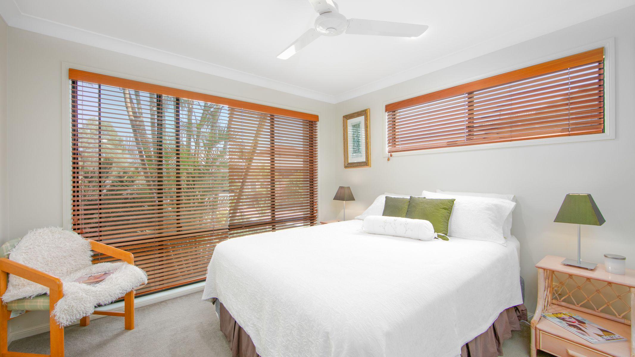 16 Edgewater Close, Yamba, NSW 2464