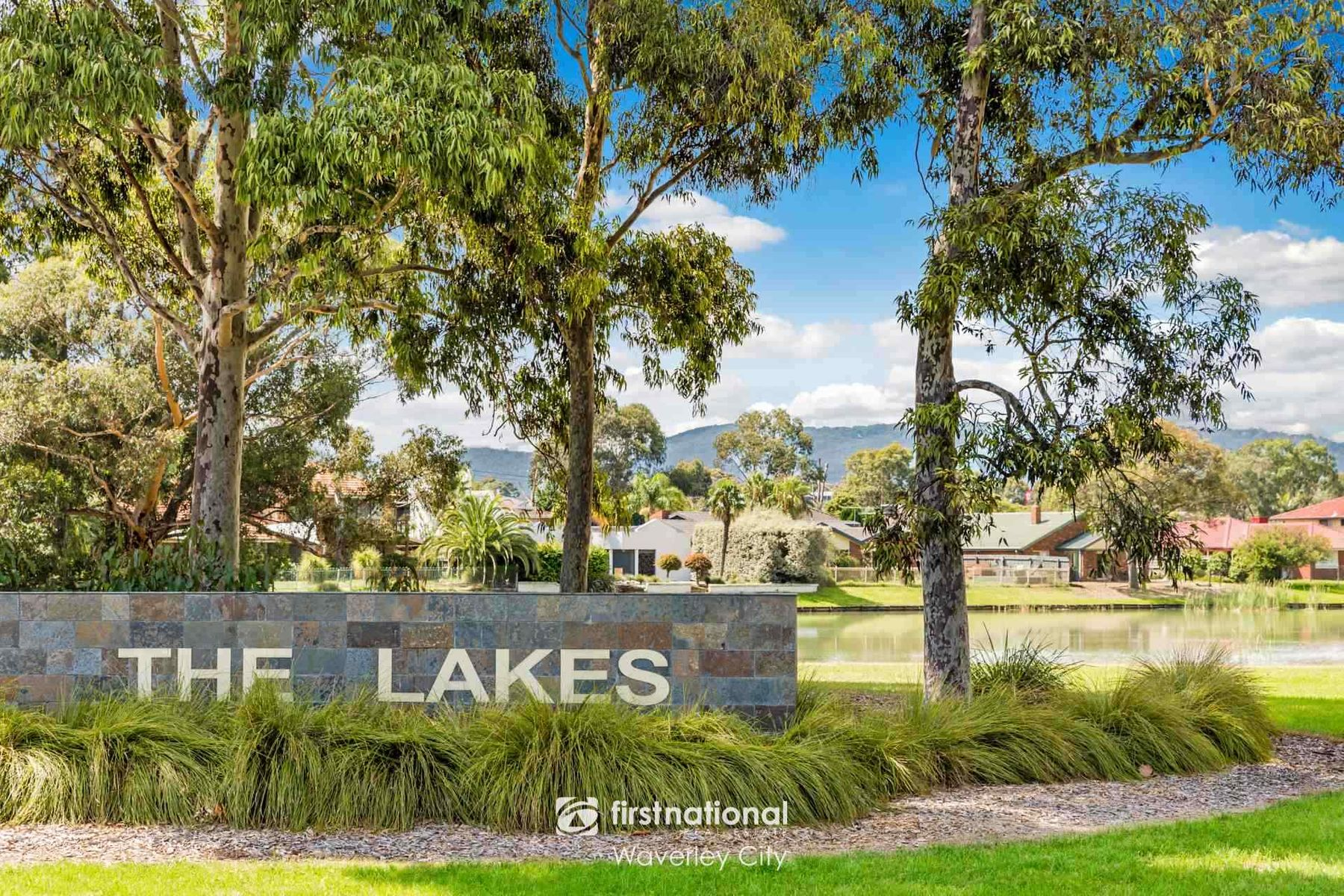 4 Yellowstone Close, Rowville, VIC 3178