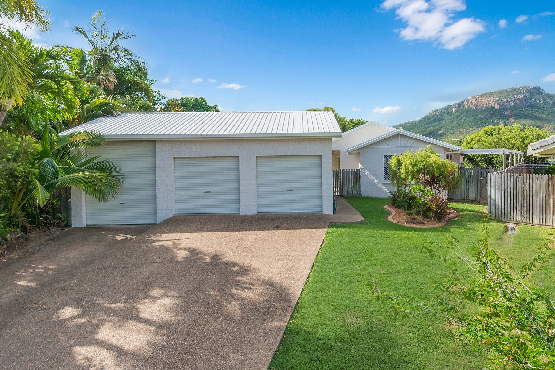 10 Woodhouse Court, Annandale, QLD 4814