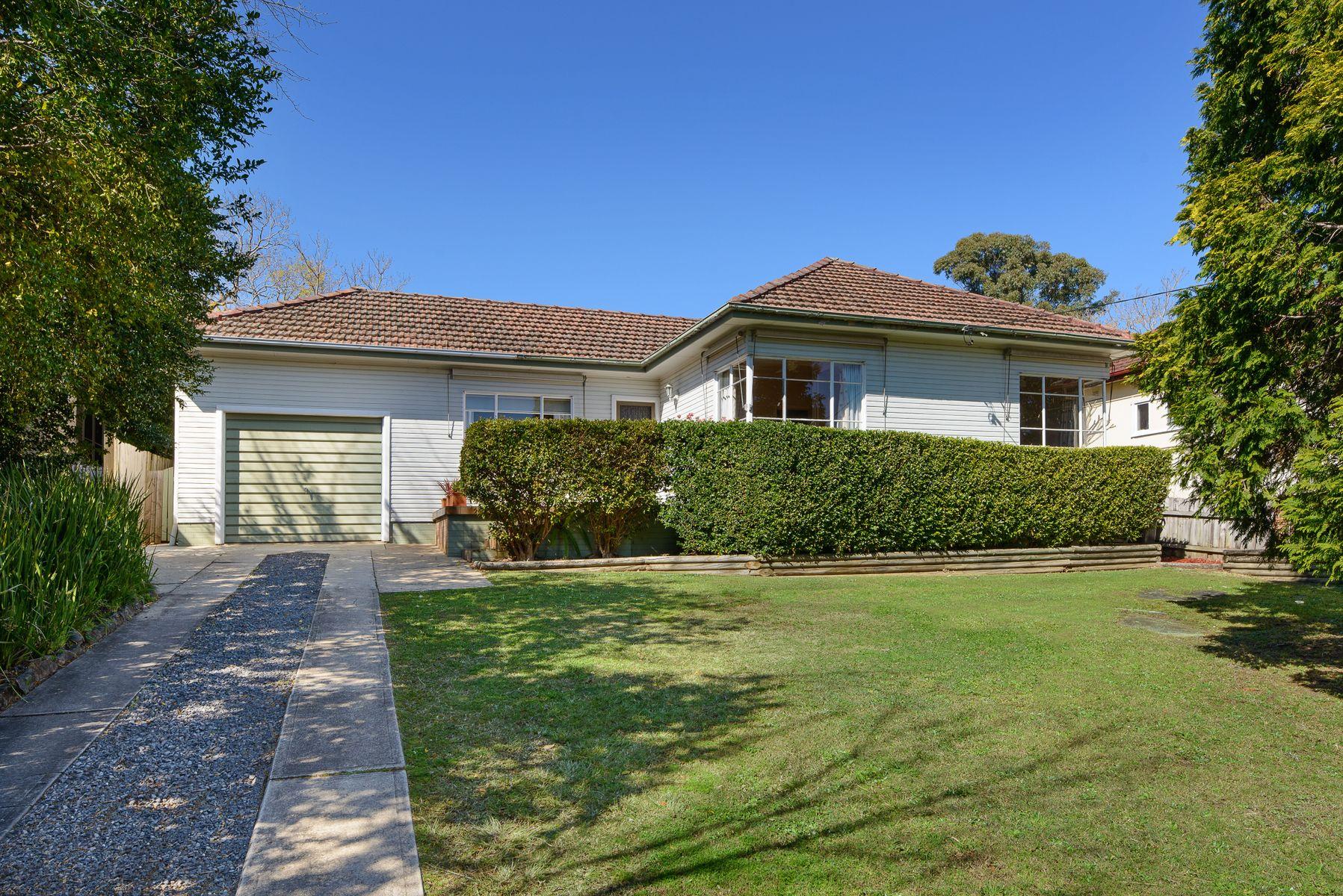 10 Canoon Road, Turramurra, NSW 2074