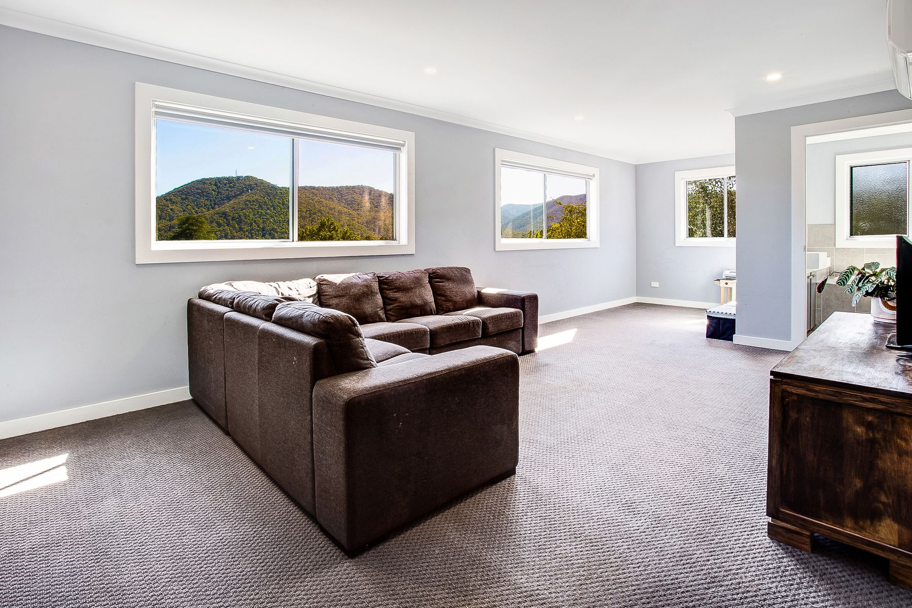 2 Orchard Court, Bright, VIC 3741