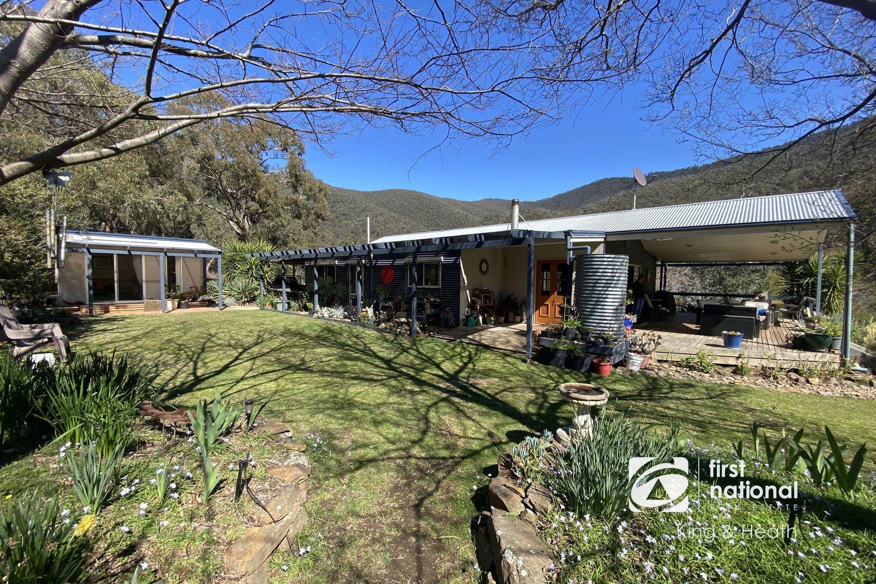 1445 Wonnangatta Road, Hawkhurst, VIC 3862