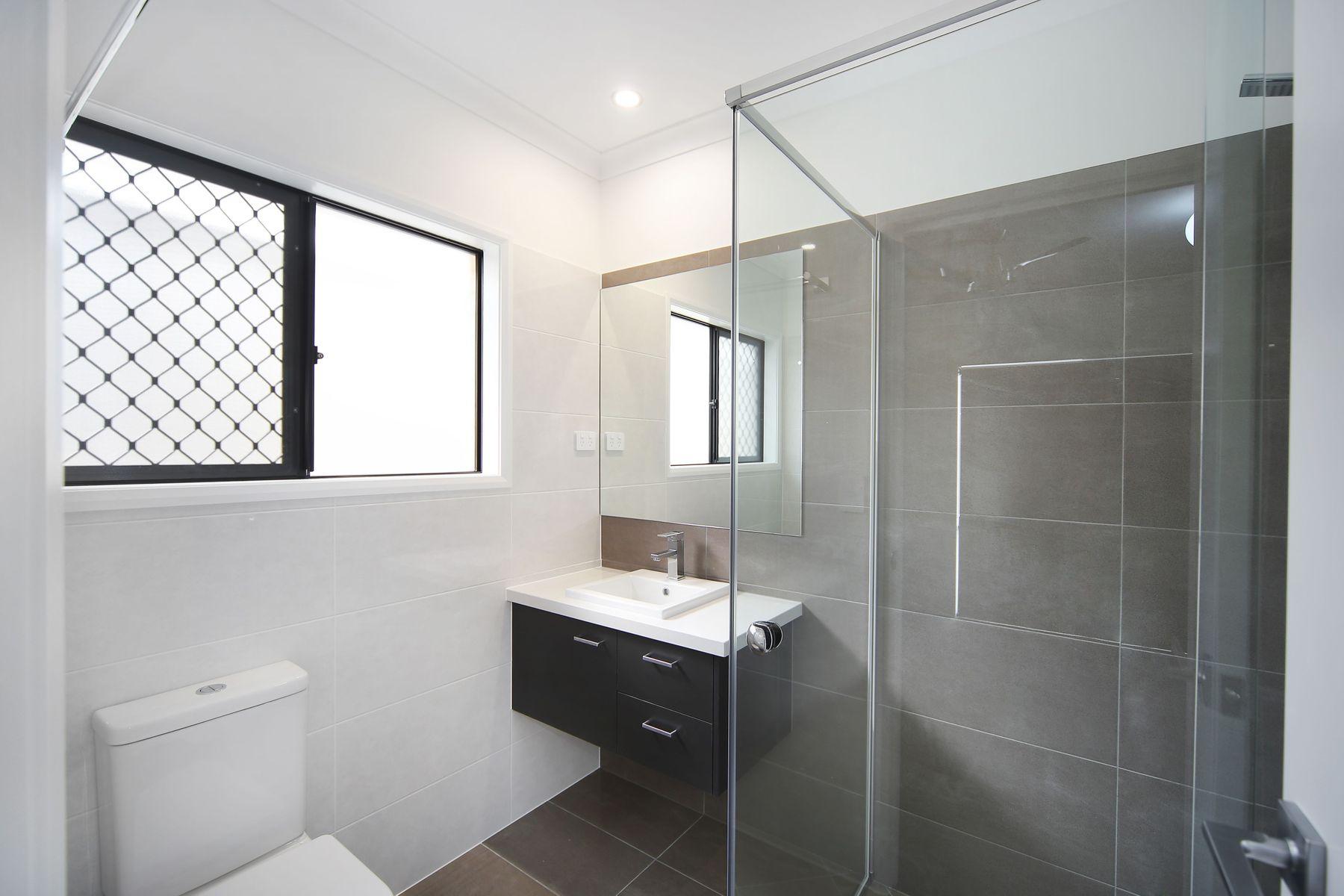 33 Locke Crescent, Baringa, QLD 4551