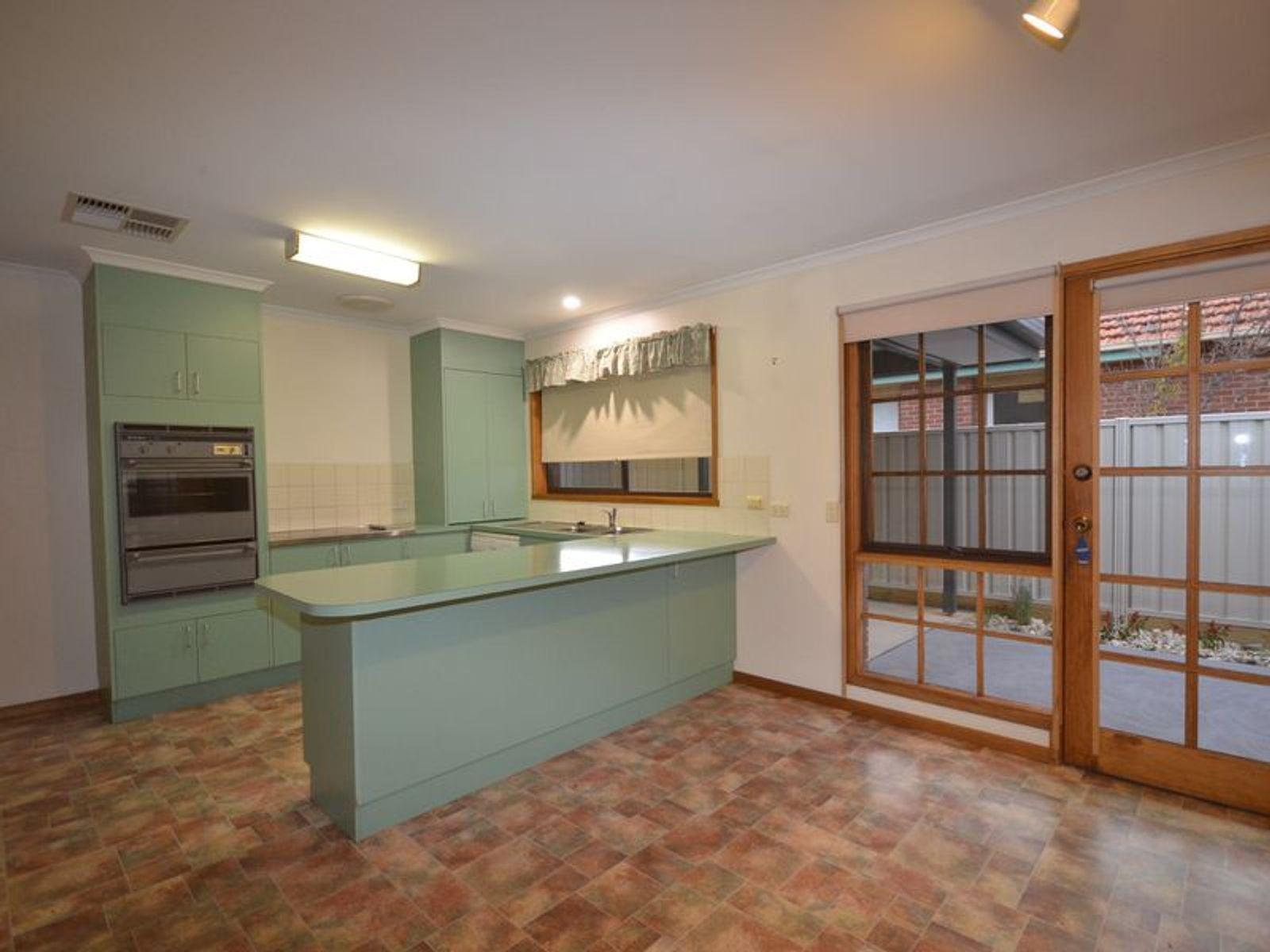 367 Napier Street, White Hills, VIC 3550