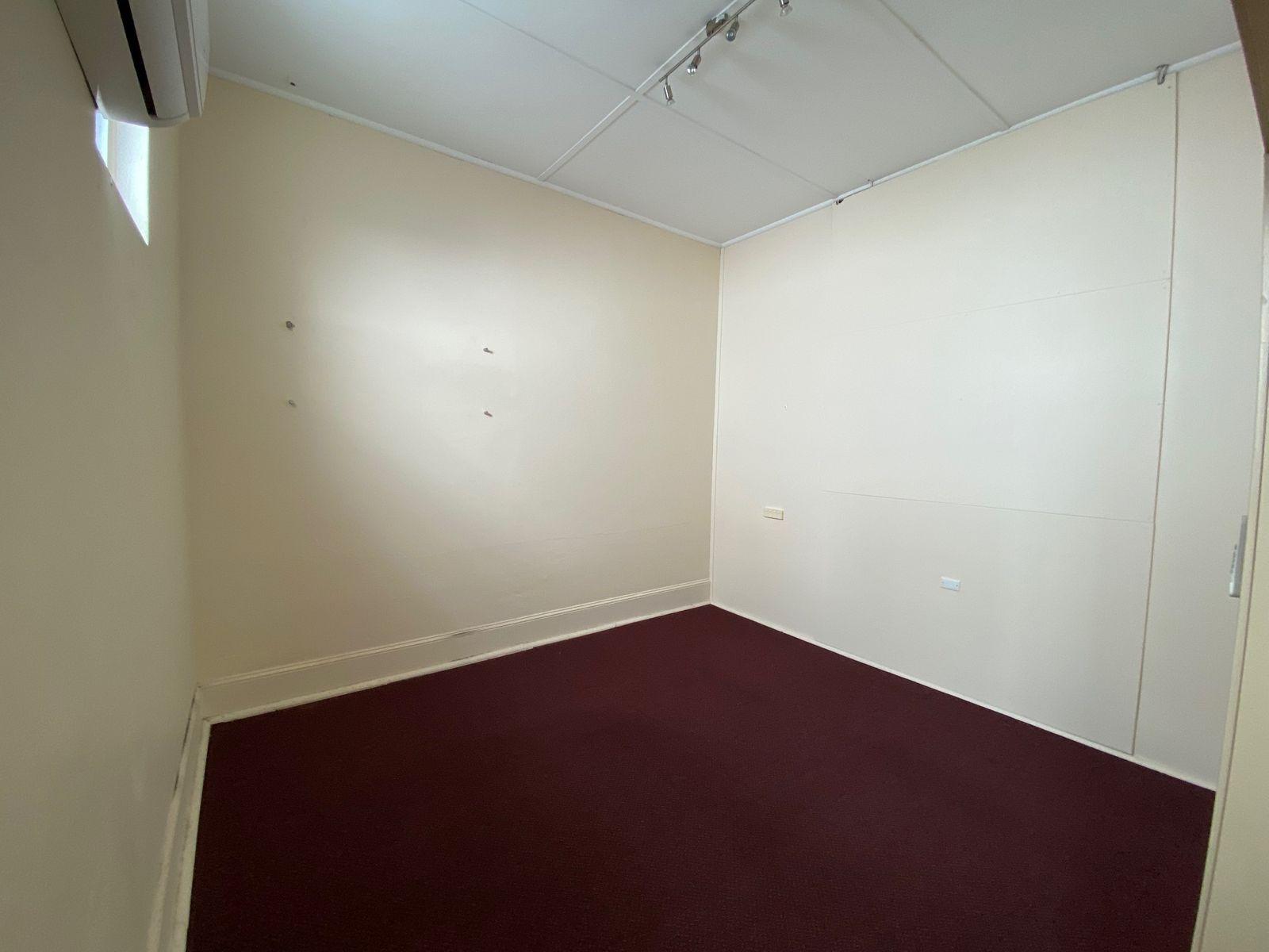 Upstairs / 80 Brisbane Street, Ipswich, QLD 4305