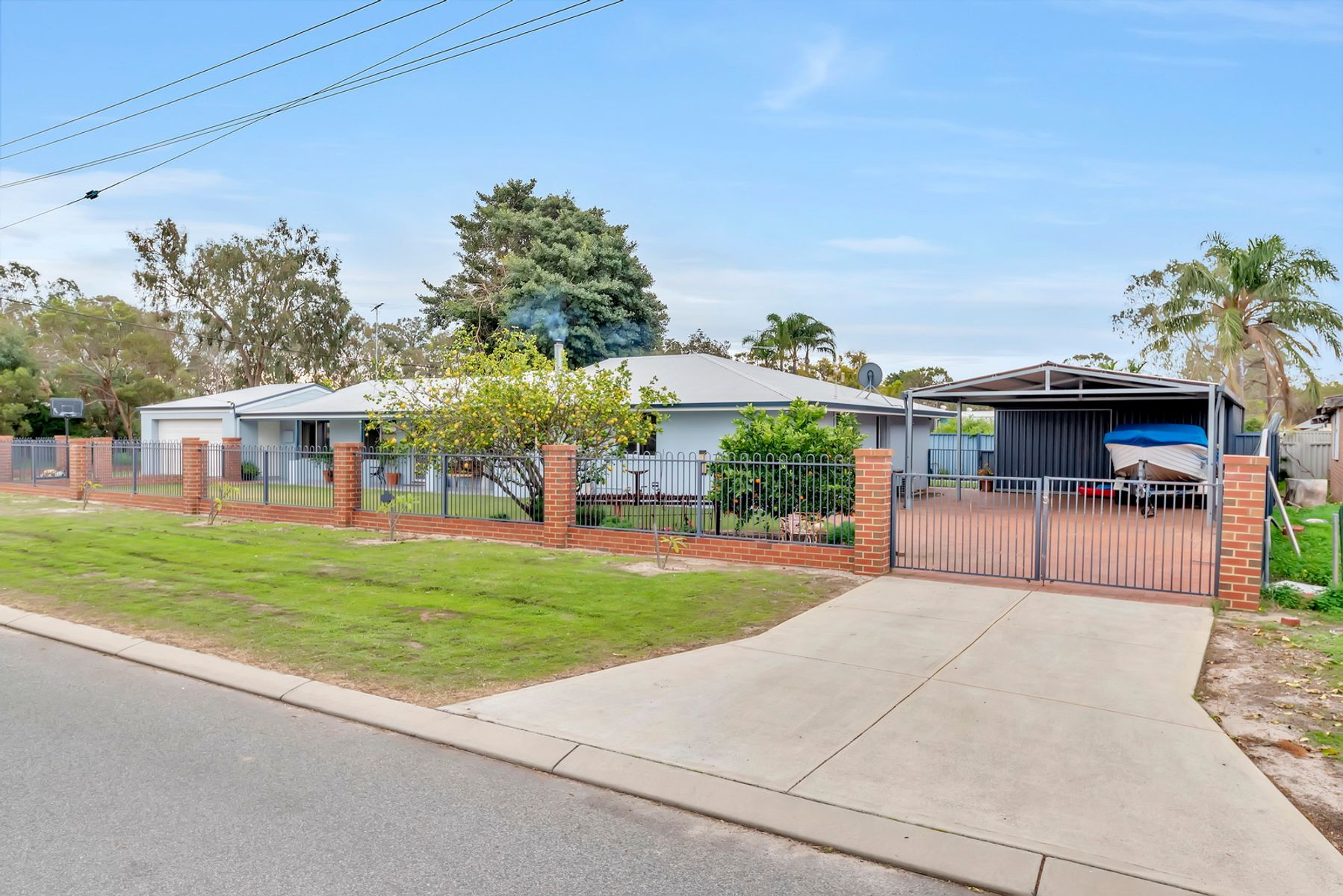 2 Cabarita Way, North Yunderup, WA 6208