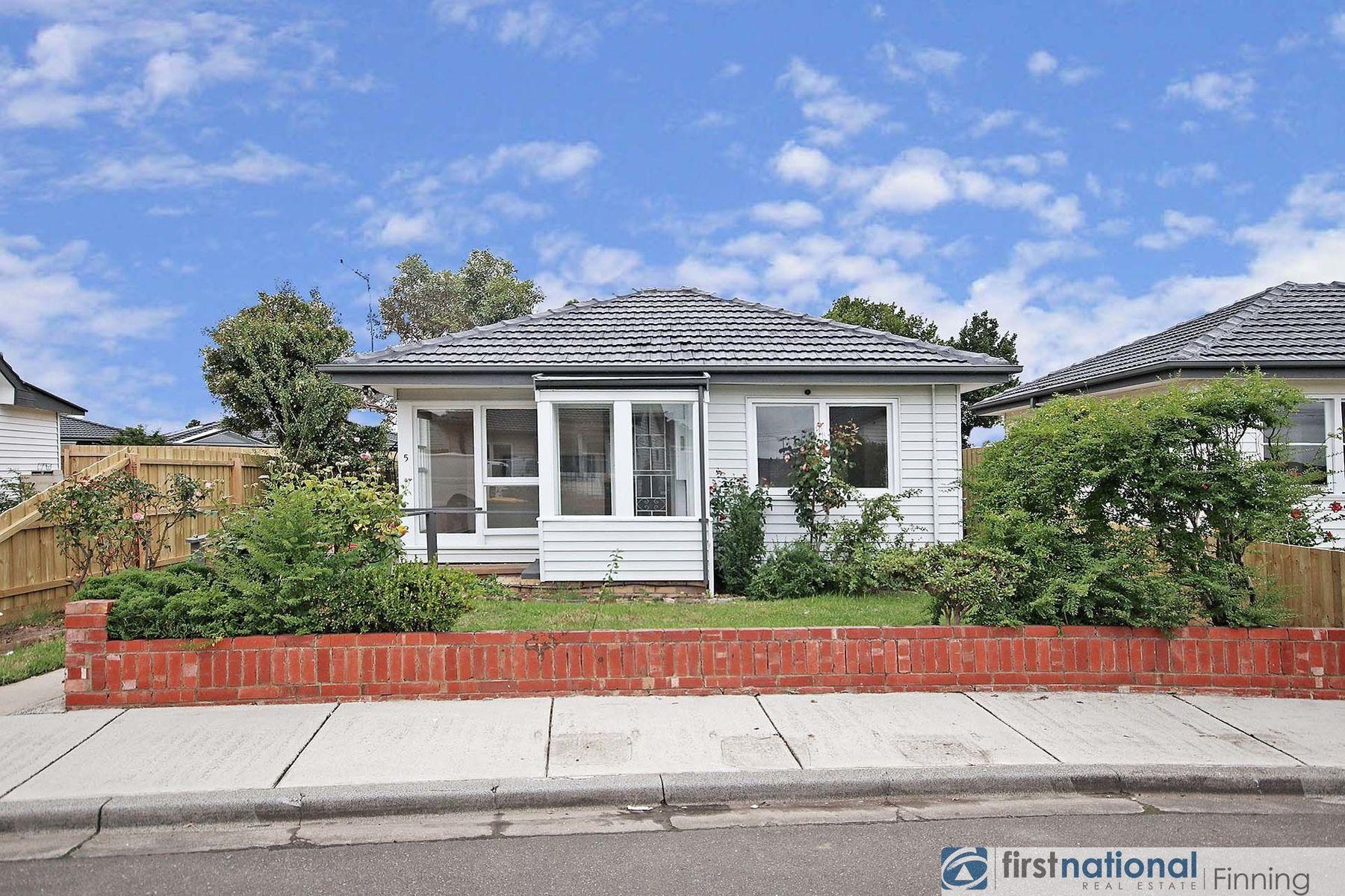 5 Dame Pettie Avenue, Pakenham, VIC 3810
