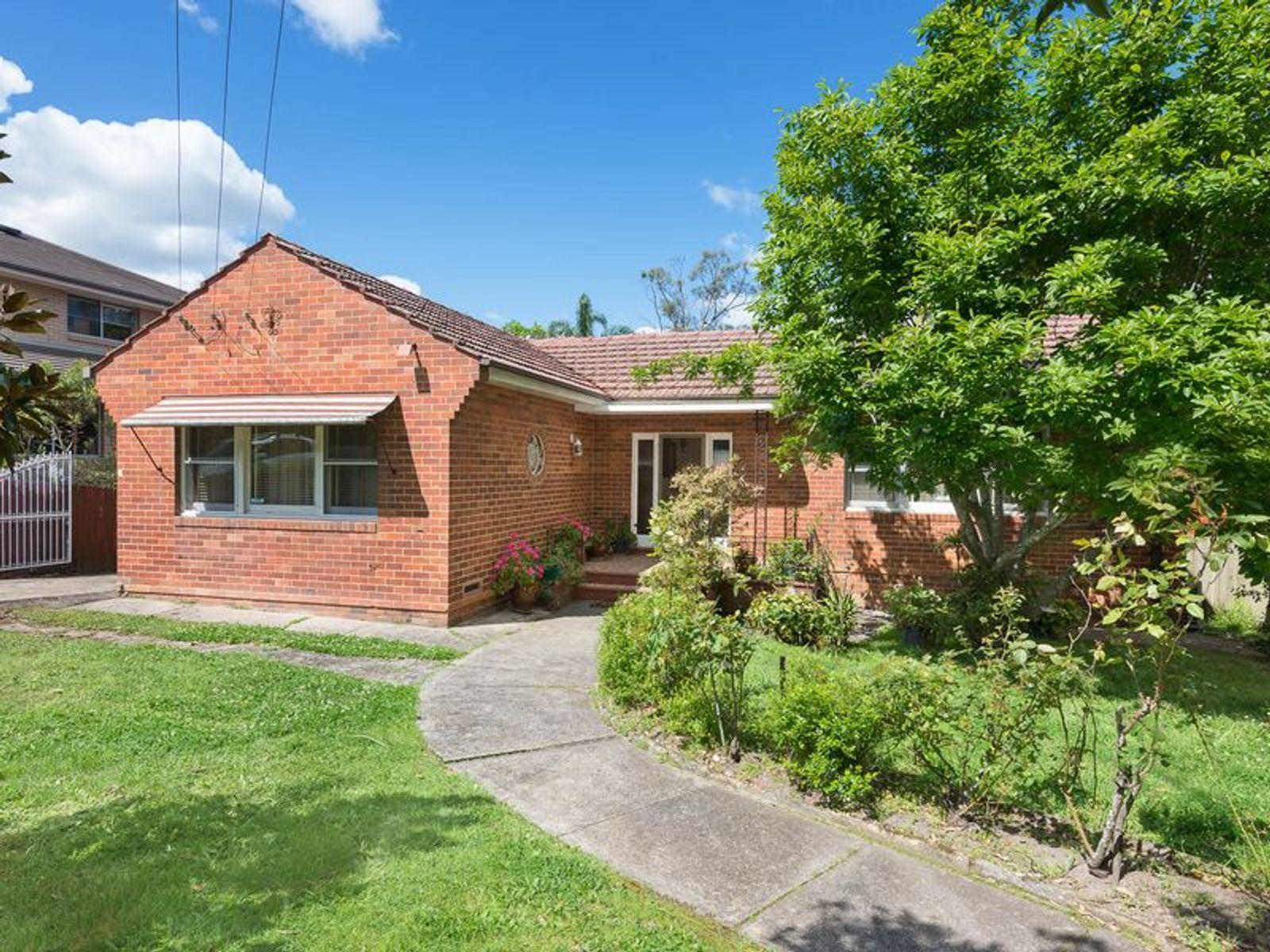 172 Killeaton Street (East Side), St Ives, NSW 2075