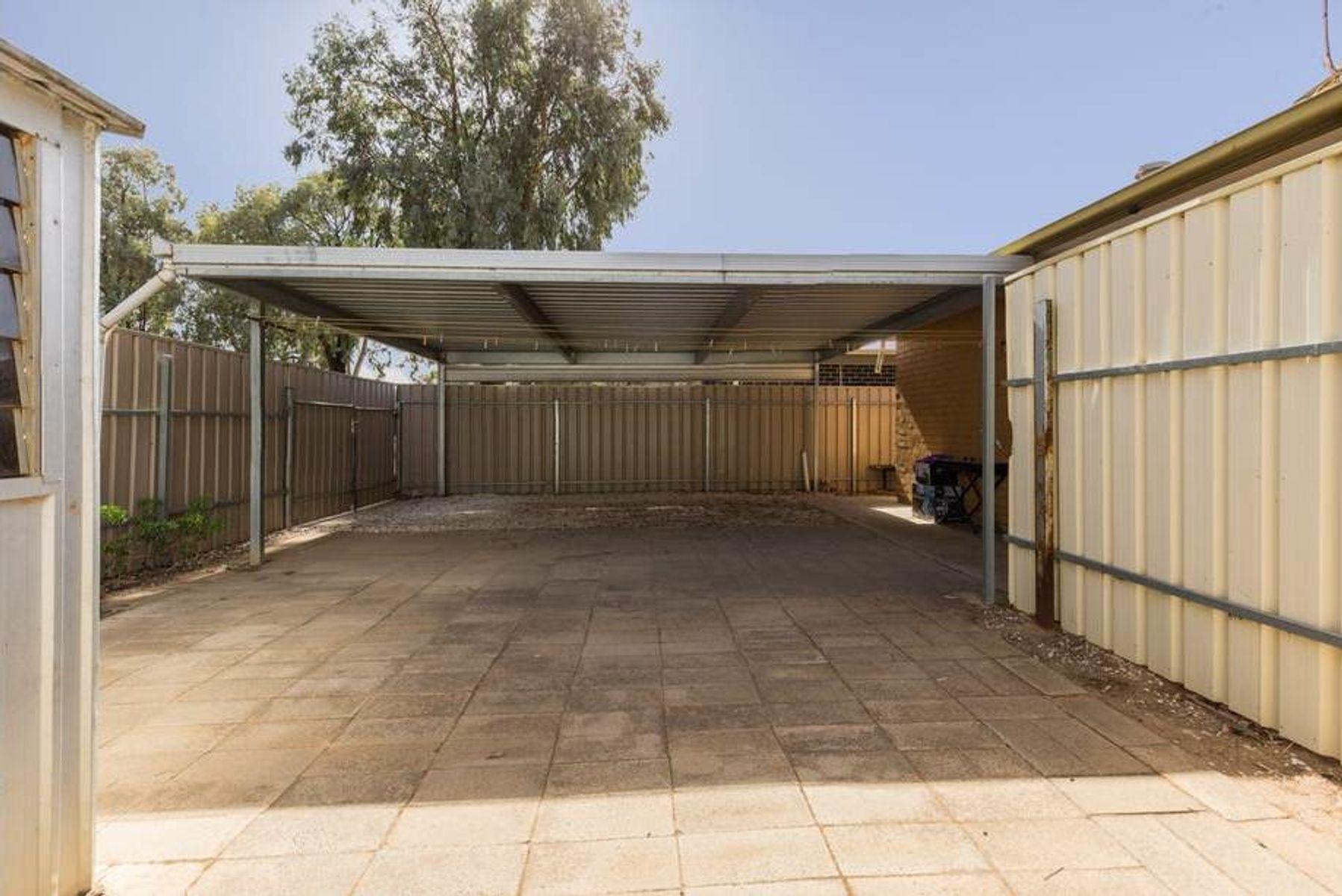 2 Oliver Street, Parafield Gardens, SA 5107