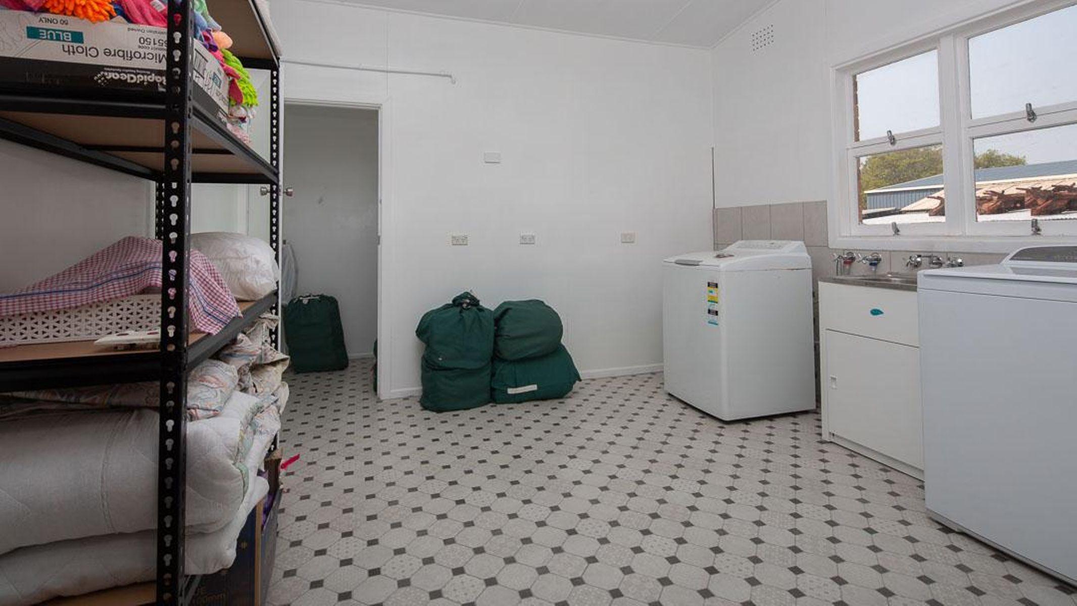 130 High Street, Tenterfield, NSW 2372