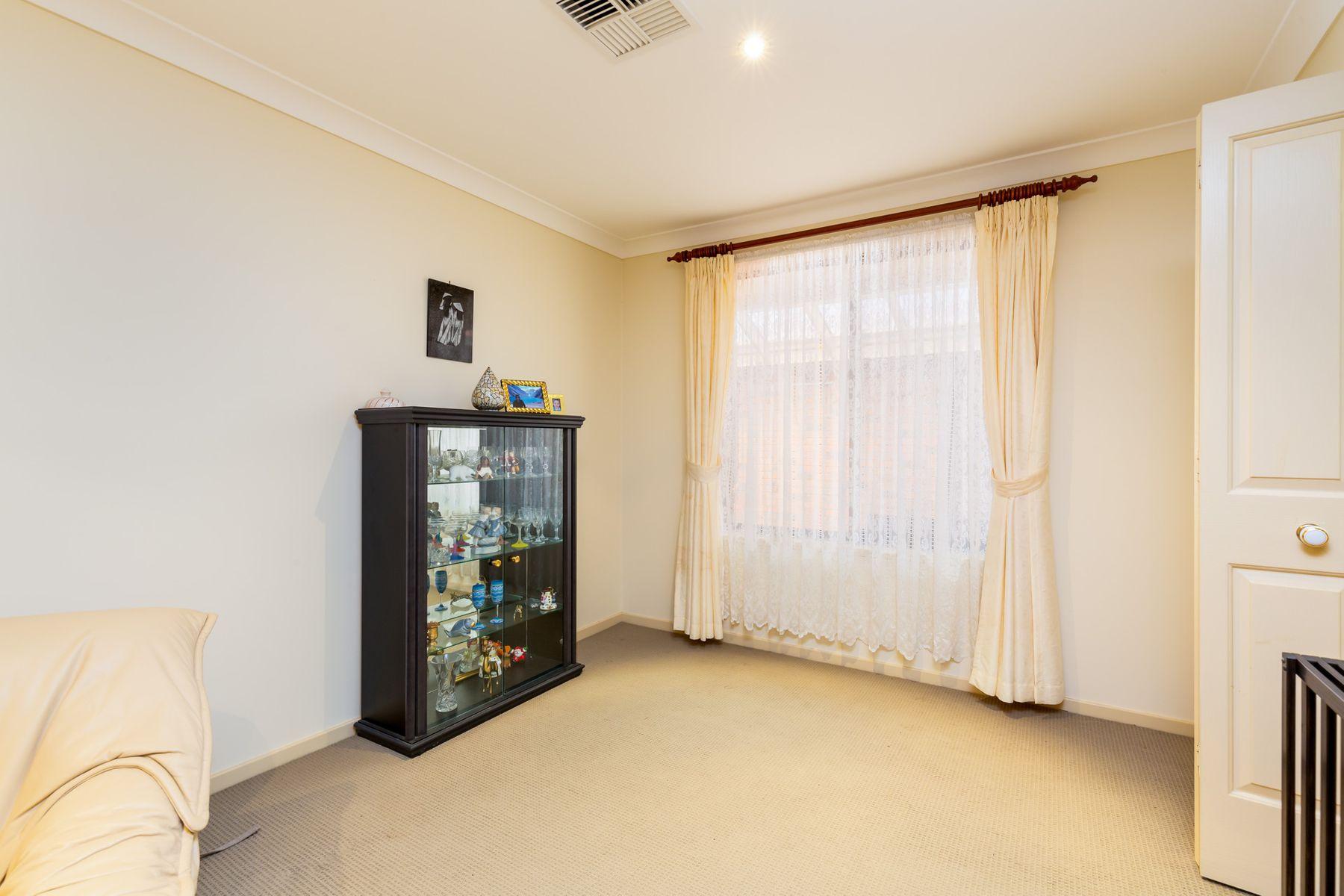 19  Angela Close, Carey Bay, NSW 2283