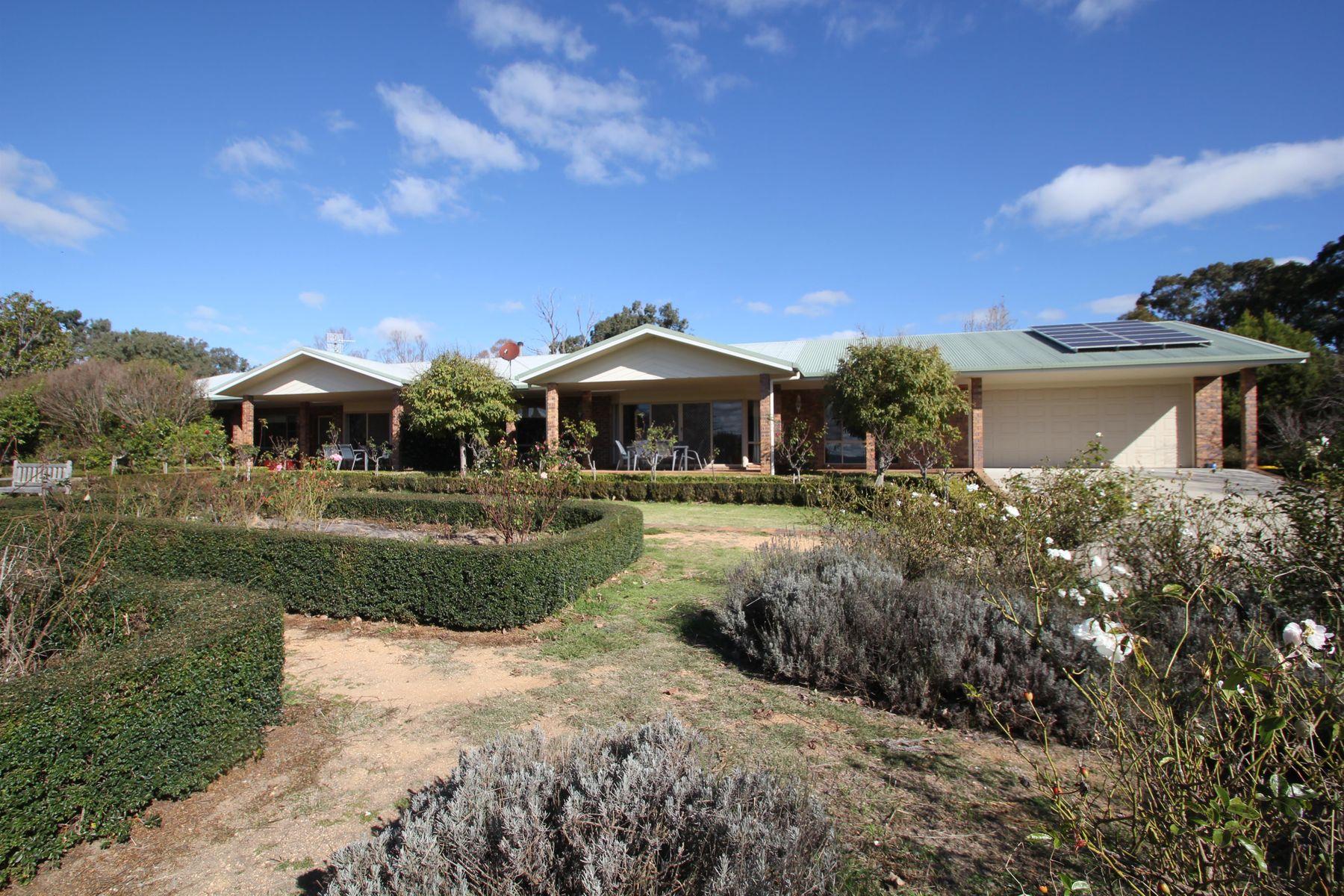 14 Aldershot Road, Tenterfield, NSW 2372