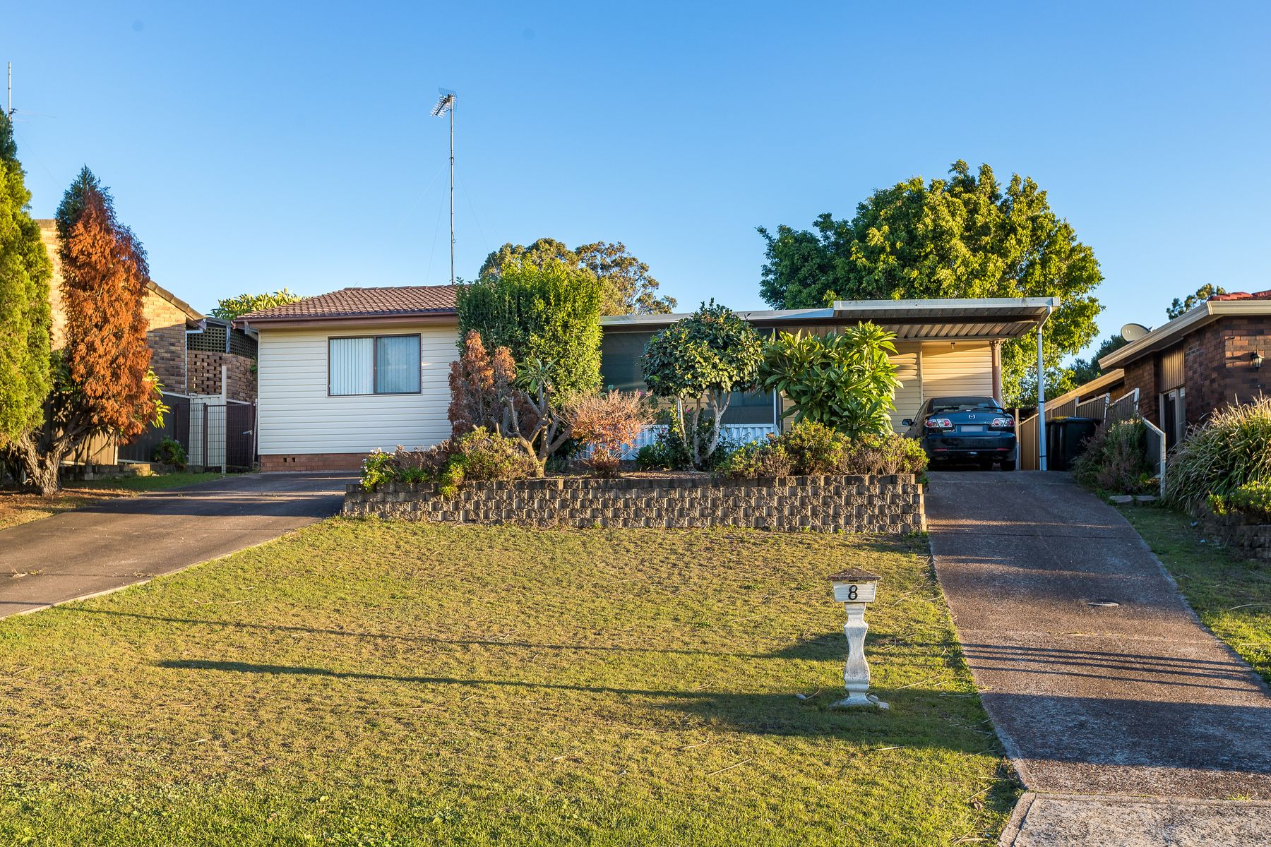 8 Unicomb Close, Rutherford, NSW 2320