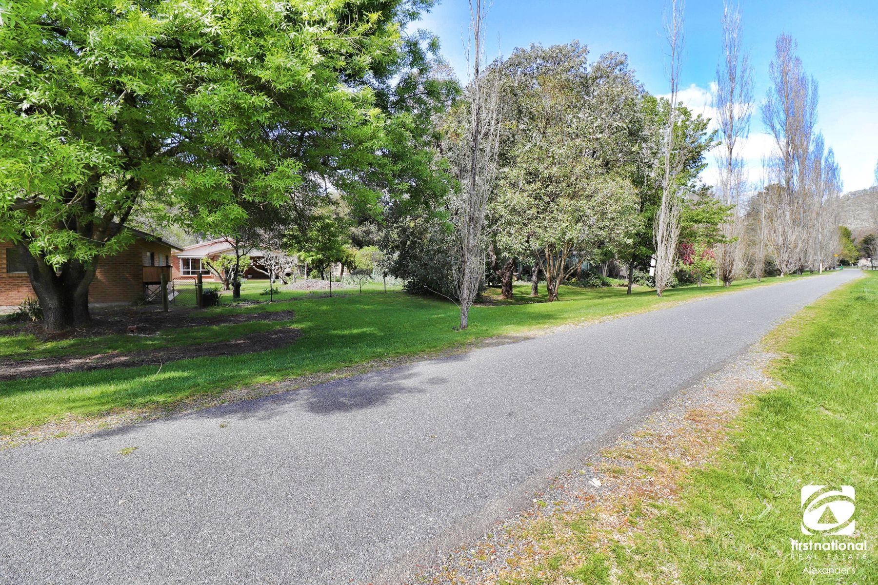 5 Ashwood Avenue, Bright, VIC 3741