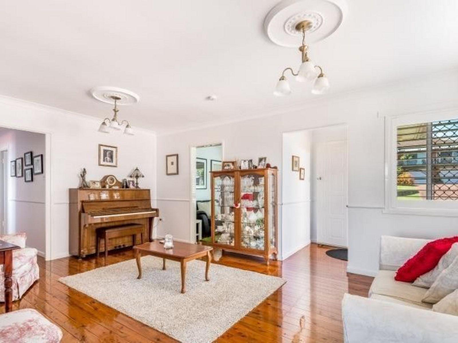 37 Barrymount Crescent, Mount Lofty, QLD 4350