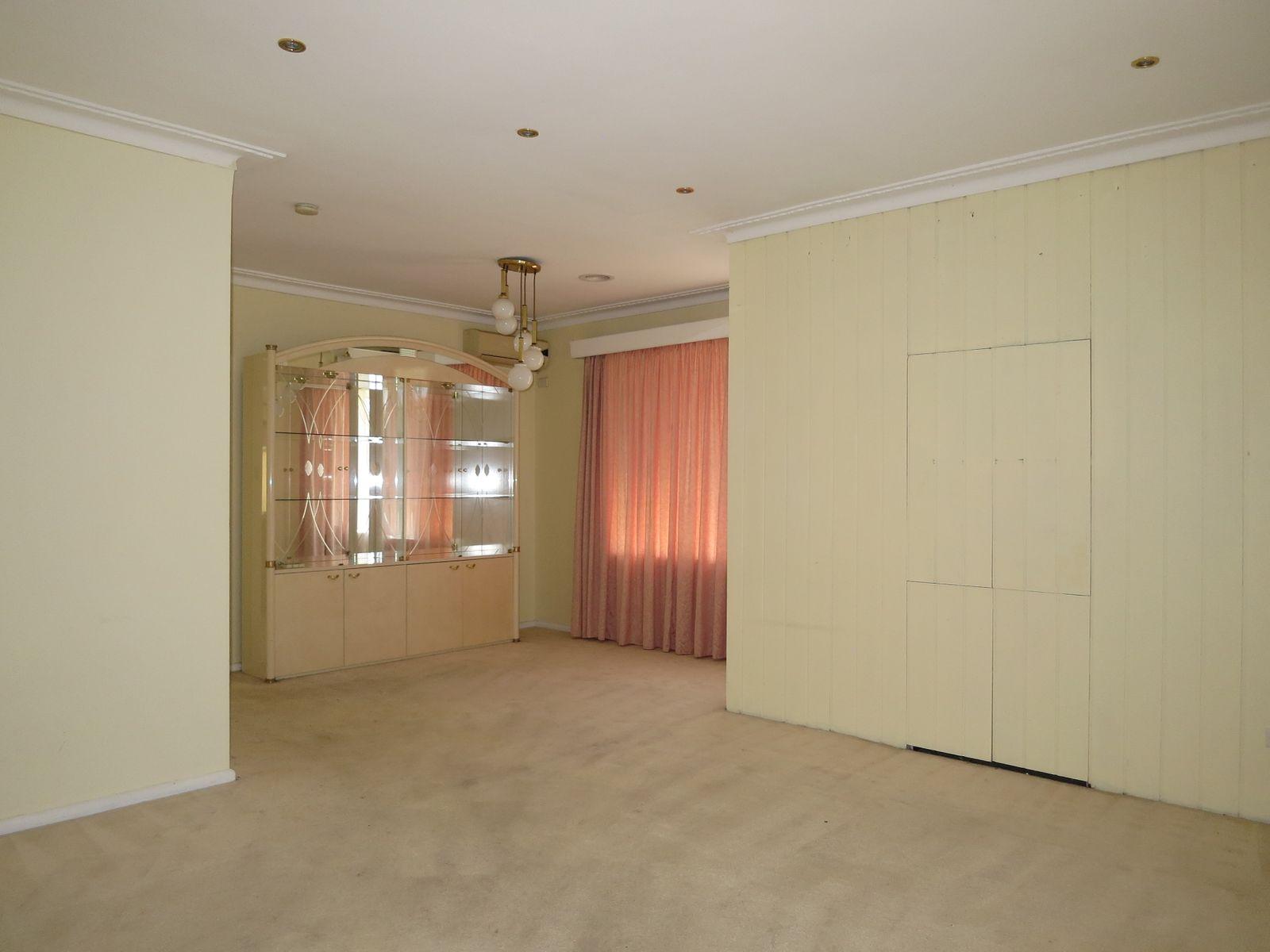 11 Joan Crescent, Burwood East, VIC 3151