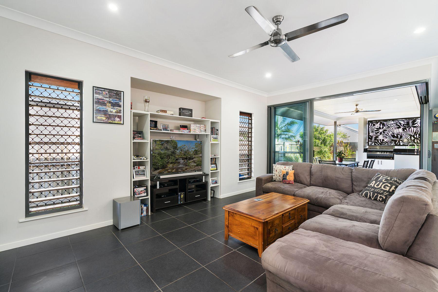 14 Chandos Brace, Smithfield, QLD 4878