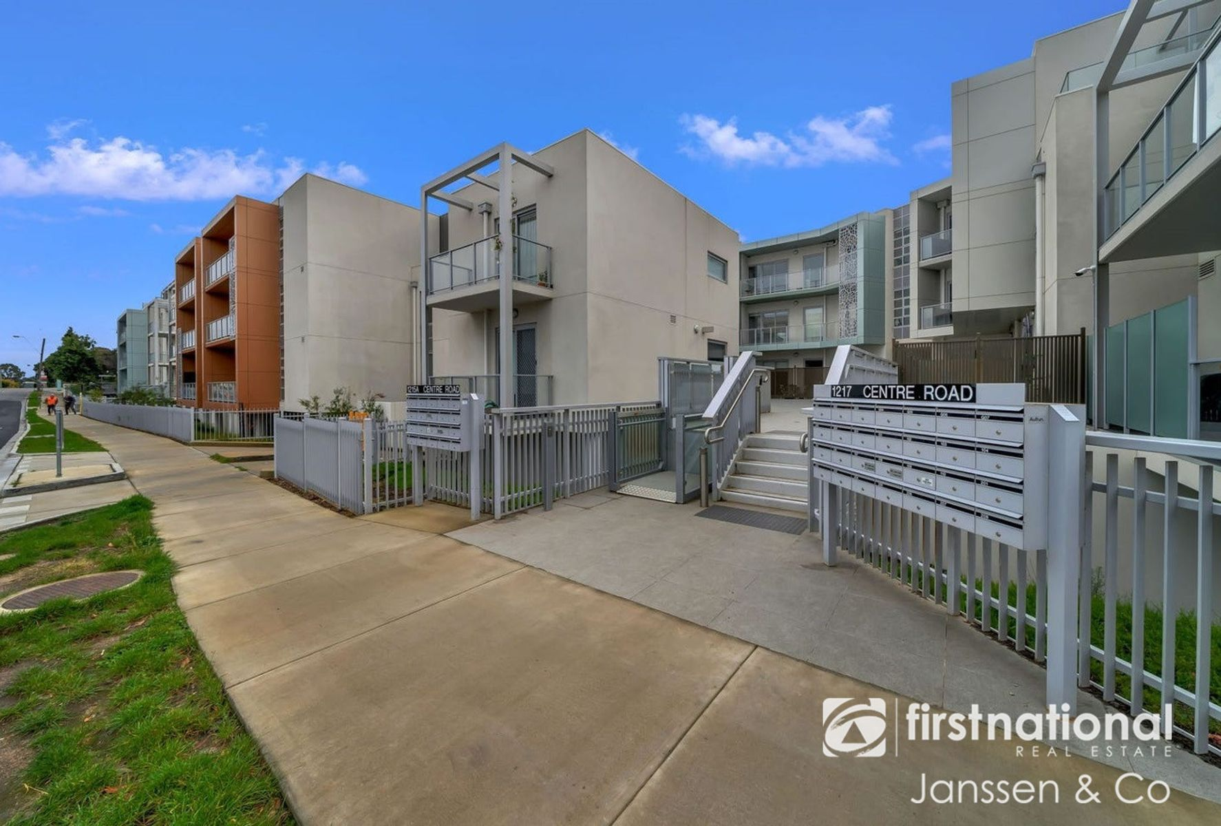 206/1213 Centre Road, Oakleigh South, VIC 3167