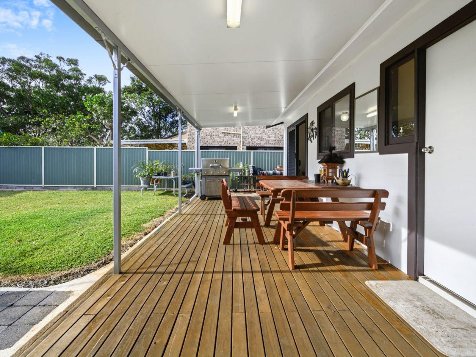 83 Oceanview Road, Gorokan, NSW 2263
