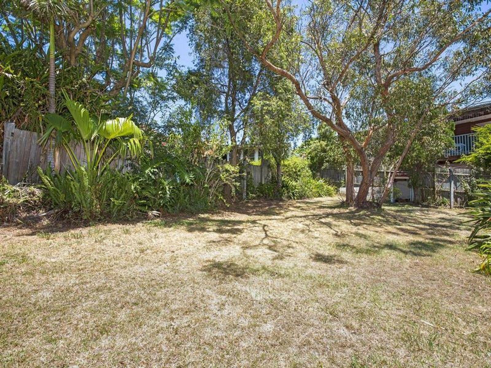 11 Sherwood Crescent, Narraweena, NSW 2099