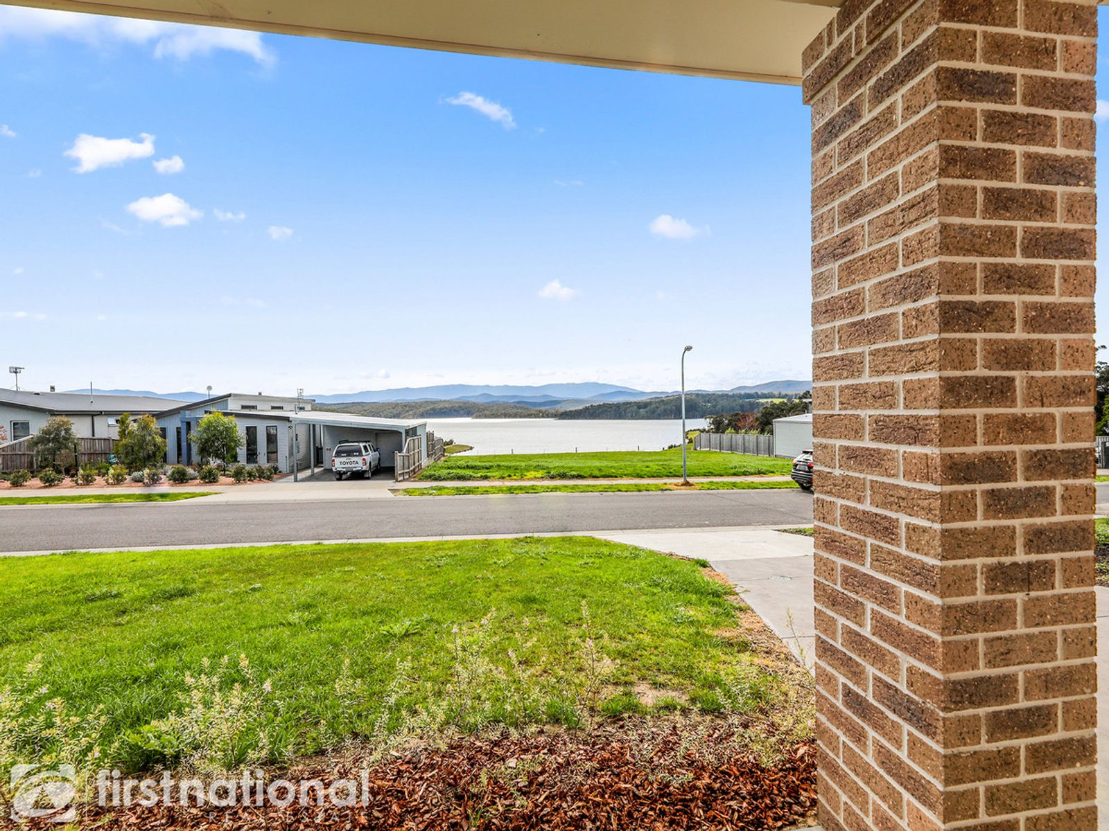 5 Glenbrook Place, Willow Grove, VIC 3825