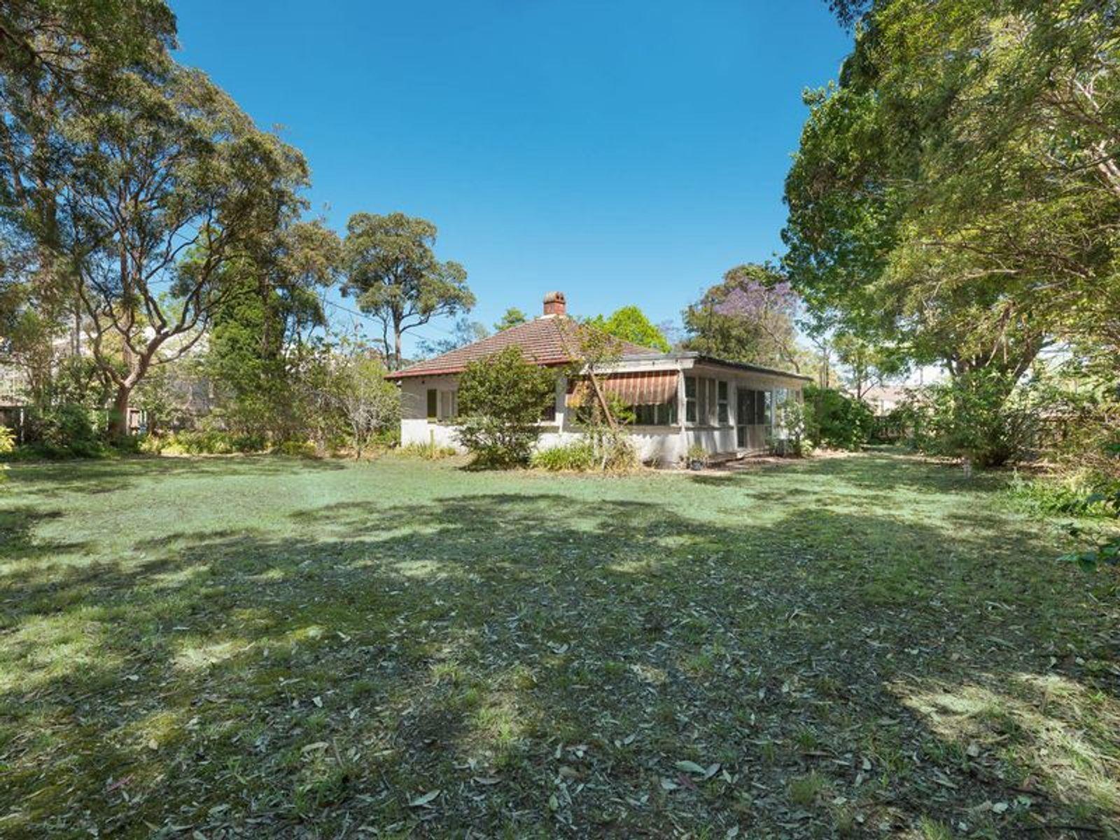 43 Woodbury Road (Corner Mona Vale Road), St Ives, NSW 2075