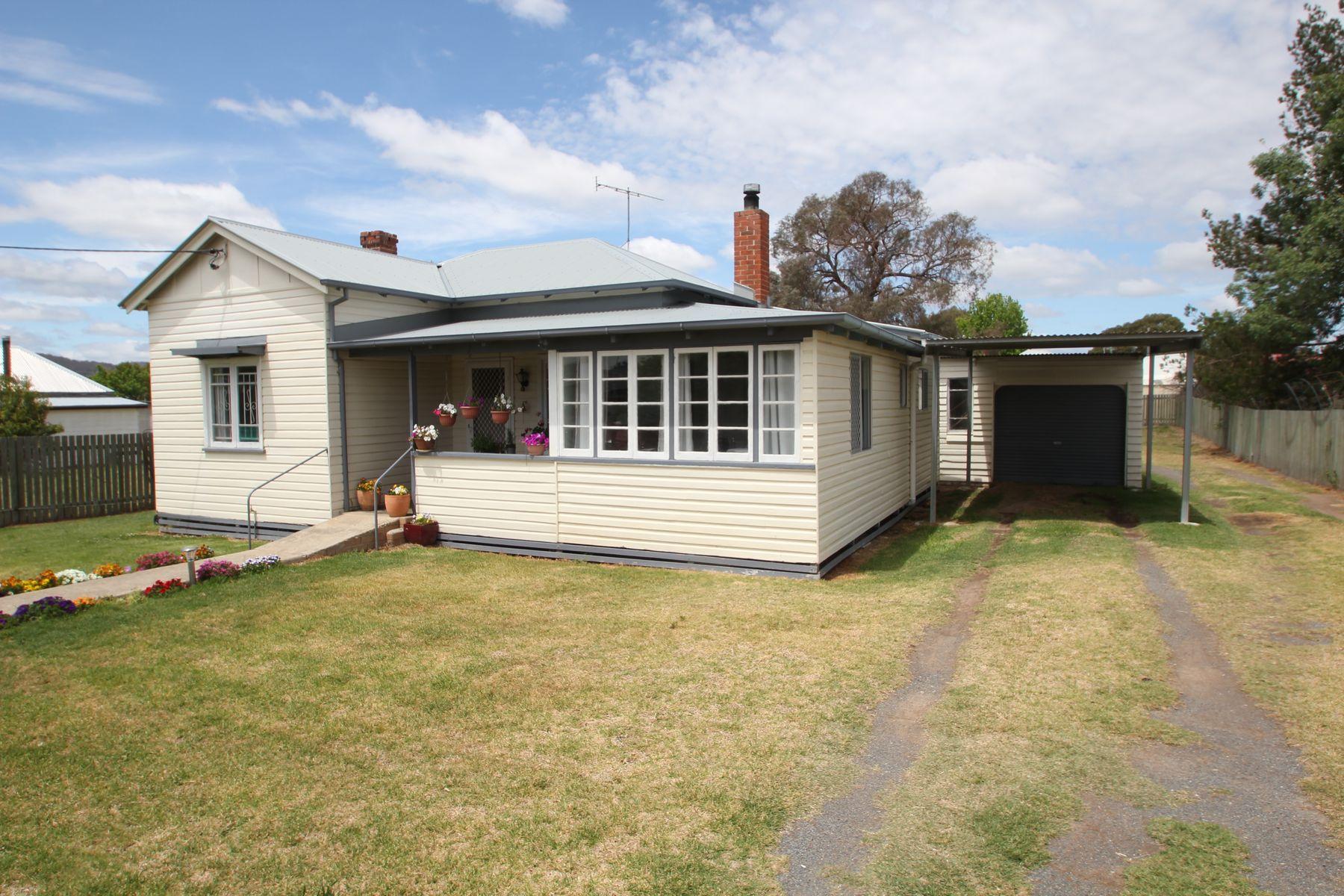 33 High Street, Tenterfield, NSW 2372