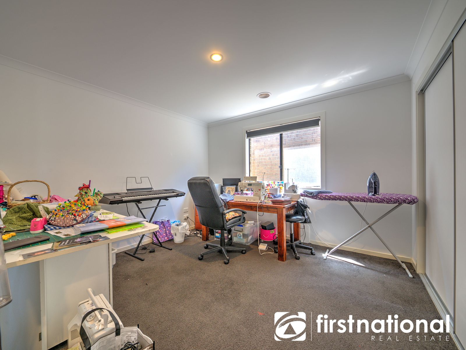 9/11 Hawk Avenue, Pakenham, VIC 3810