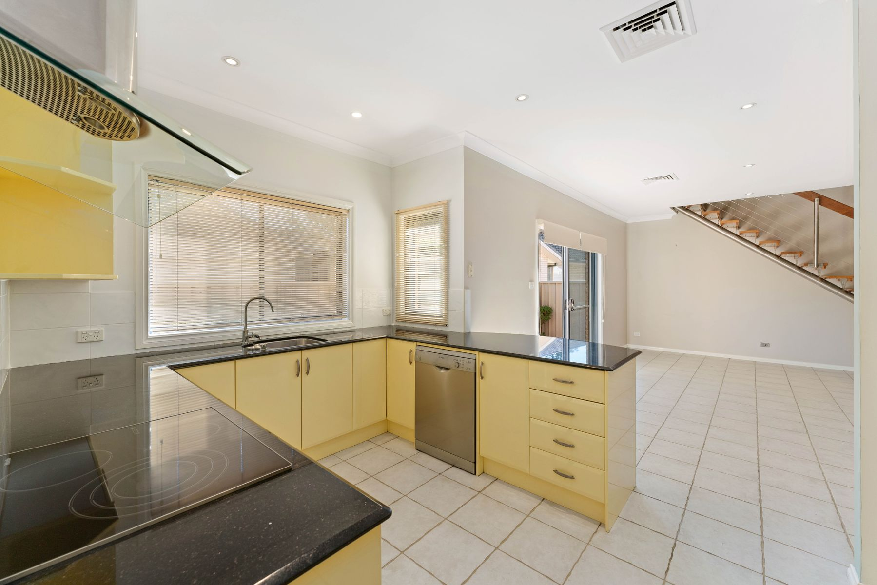 2/7 Margaret Street, Warners Bay, NSW 2282