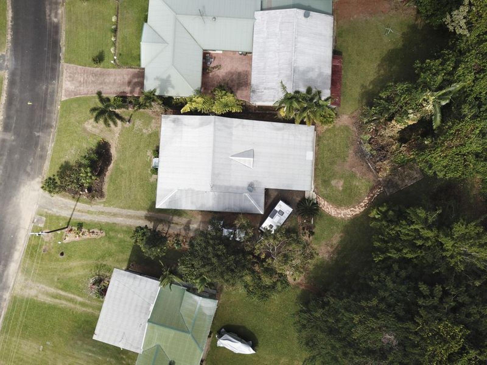 17 ENID Street, Flying Fish Point, QLD 4860