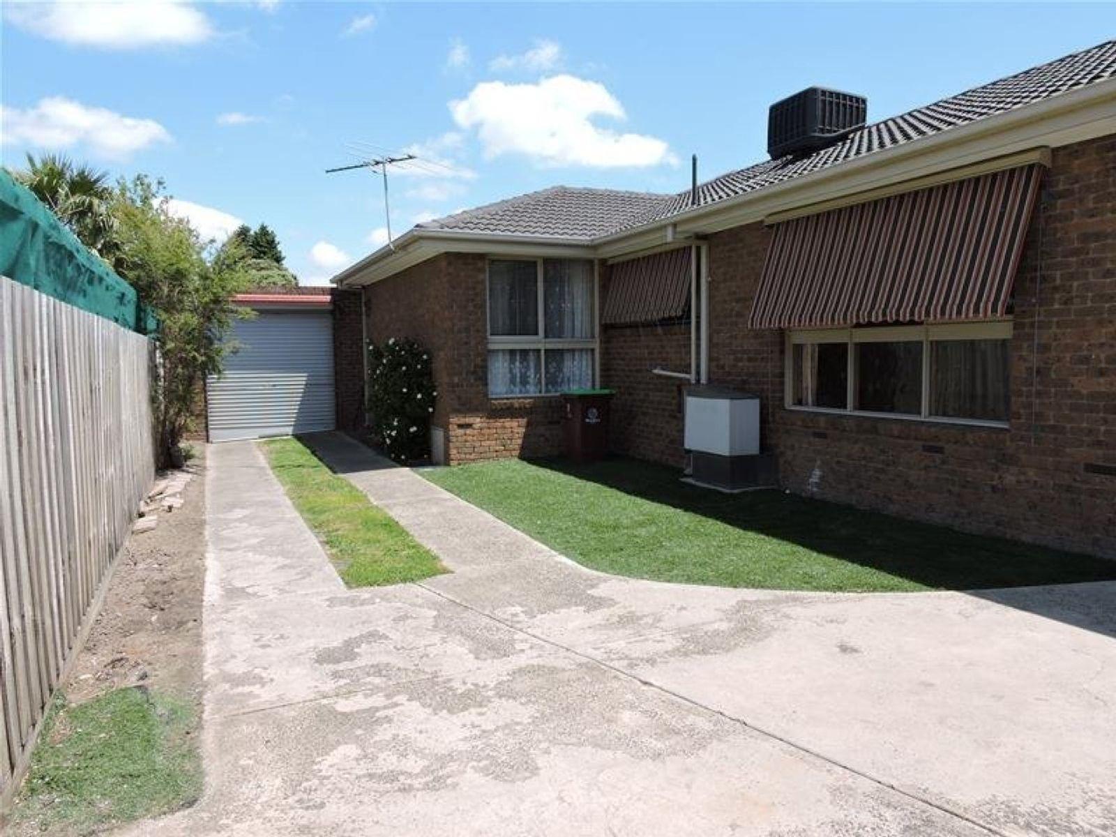 57 Monkhouse Drive, Endeavour Hills, VIC 3802