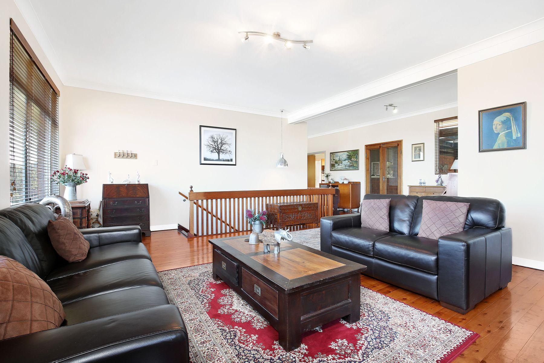 54 Beverley Avenue, Unanderra, NSW 2526