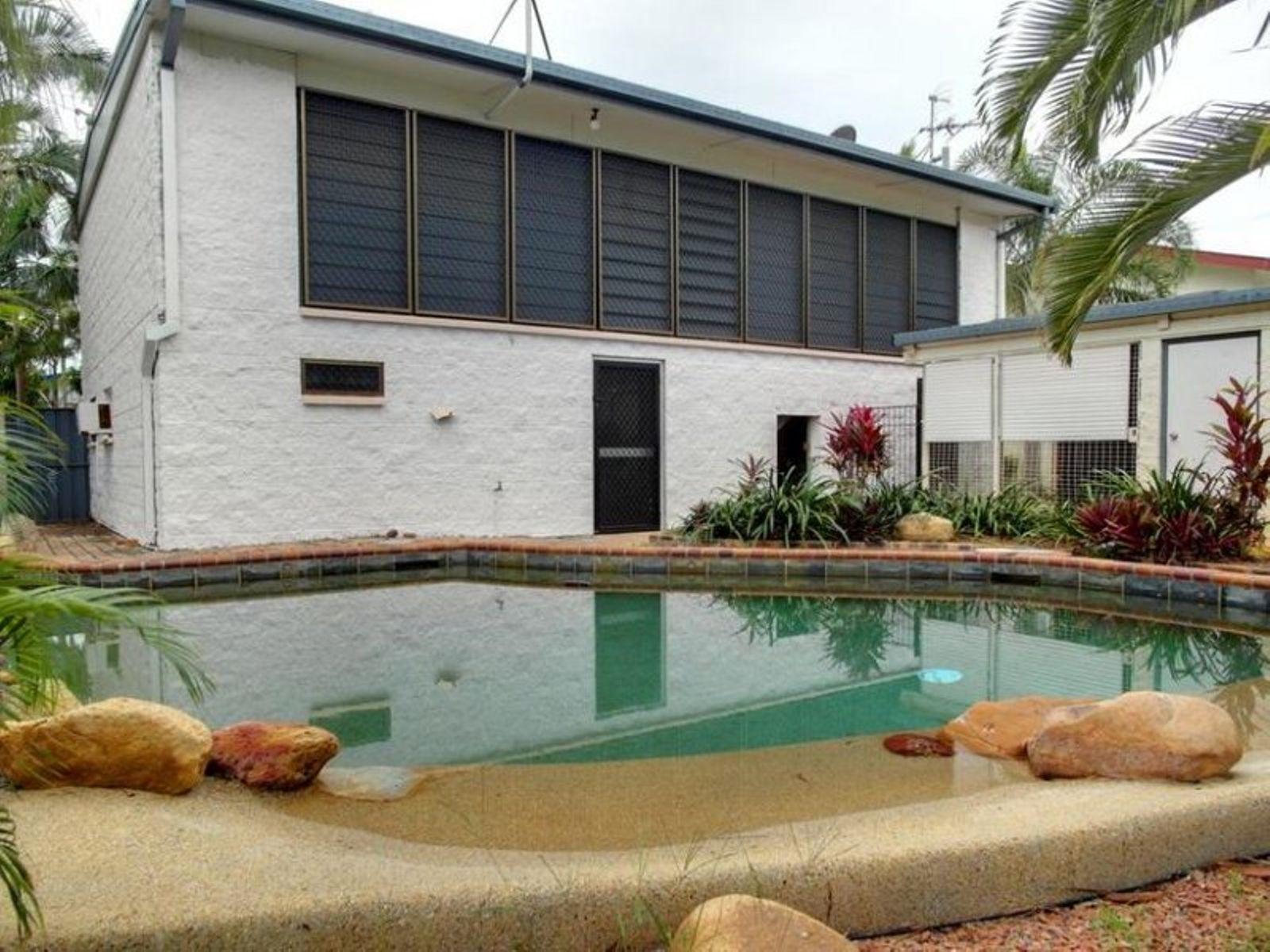12 Borral Street, Cranbrook, QLD 4814
