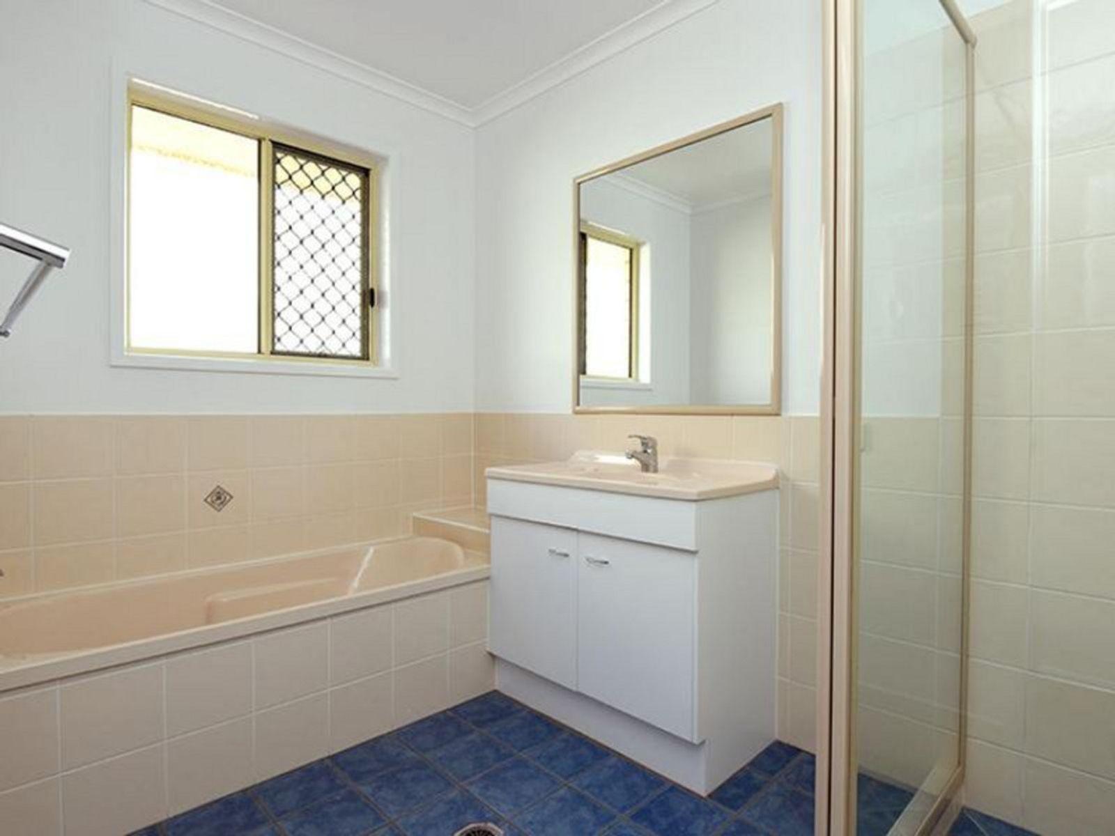 20 Willowburn Drive, Rockville, QLD 4350