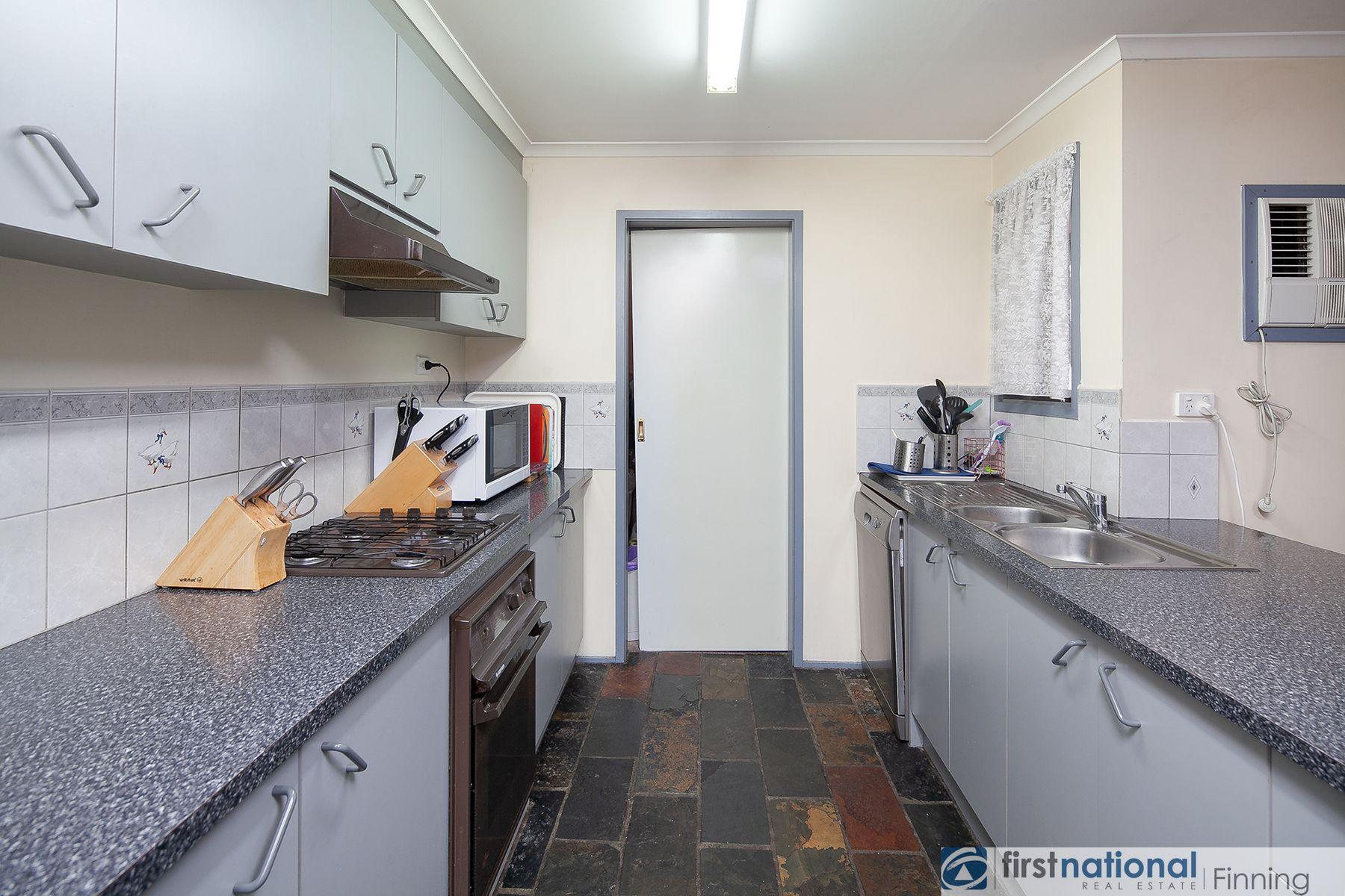 8 Leanna Court, Cranbourne West, VIC 3977