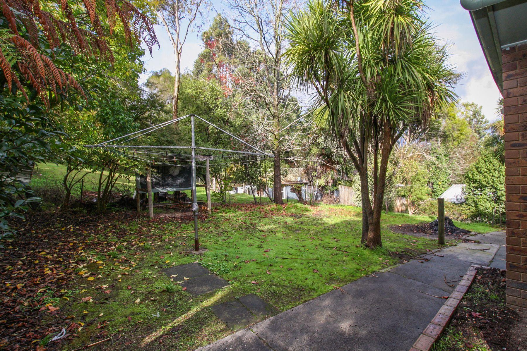 3 Benton Road, Healesville, VIC 3777