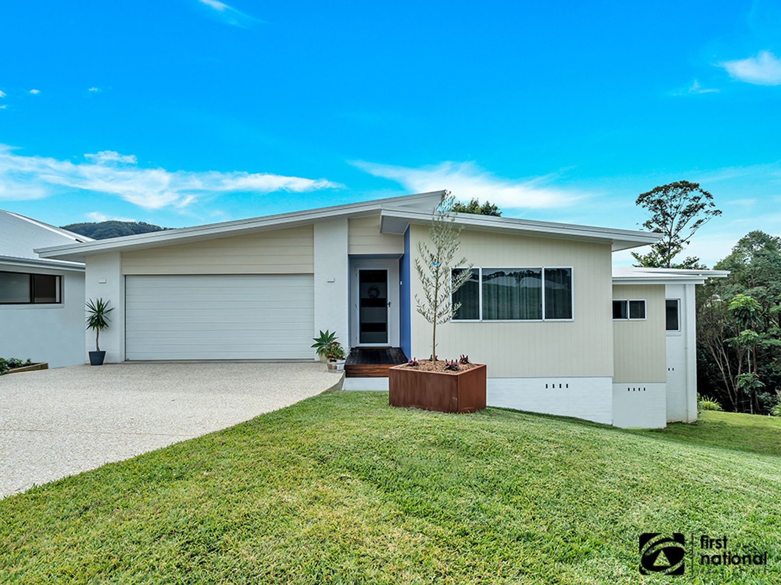 8 Knoll Place, Coffs Harbour, NSW 2450