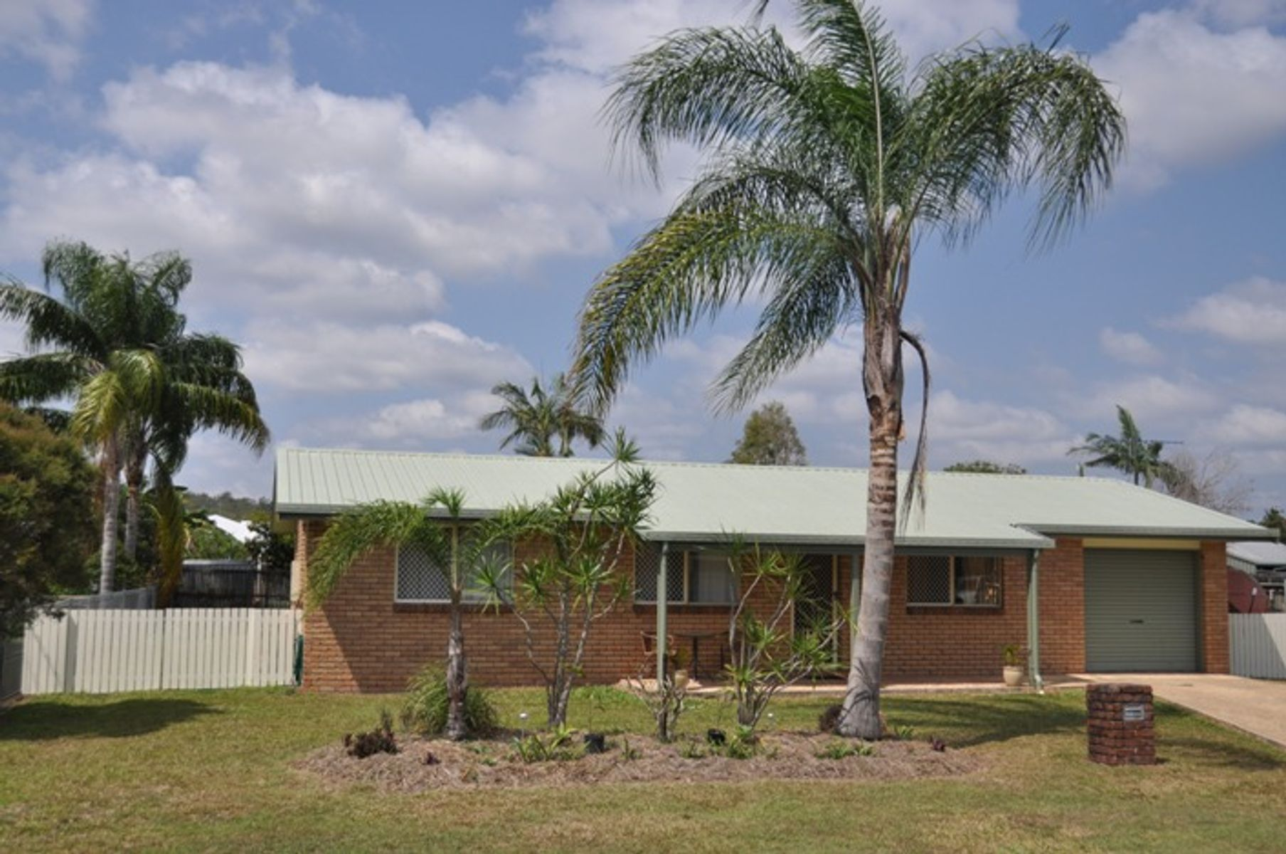 10 Fremont Avenue, Sarina, QLD 4737