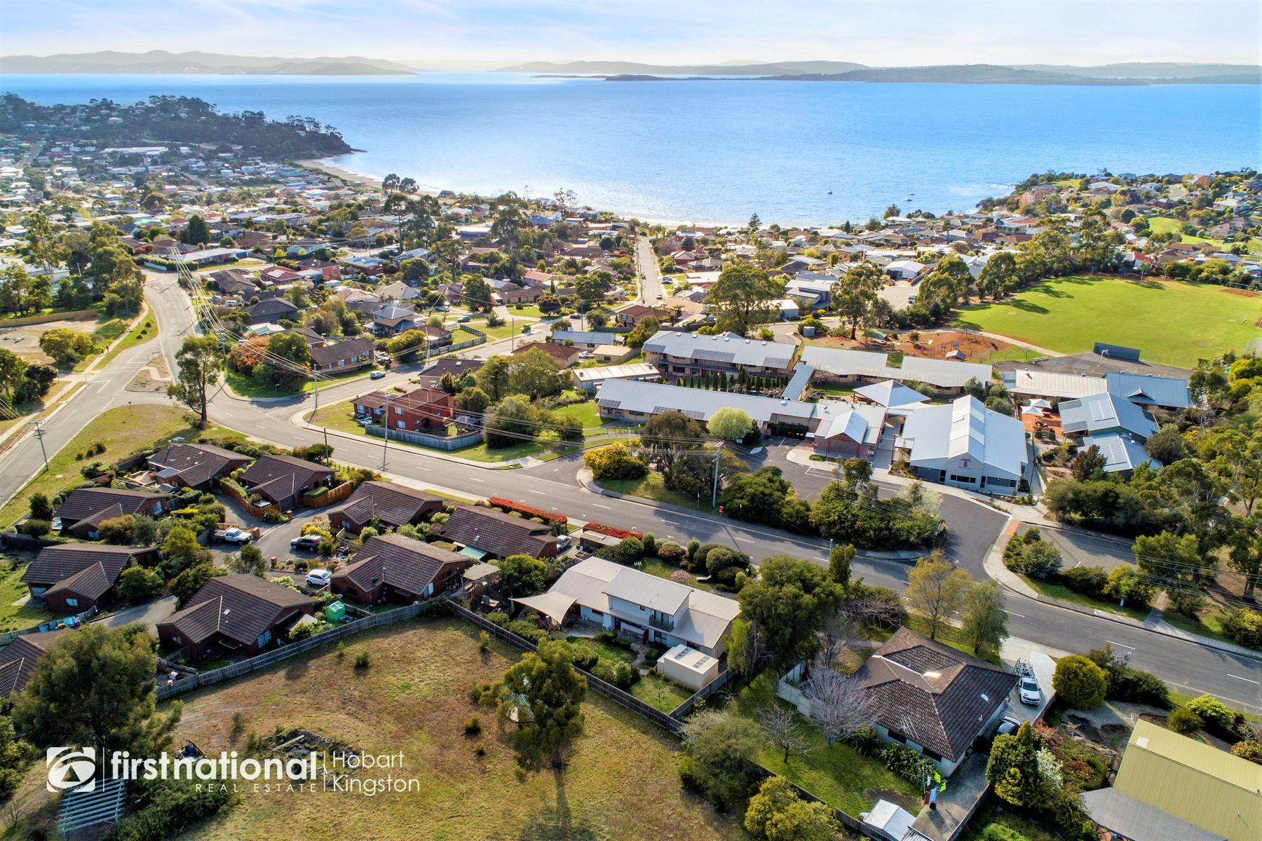11 Tinderbox Road, Blackmans Bay, TAS 7052