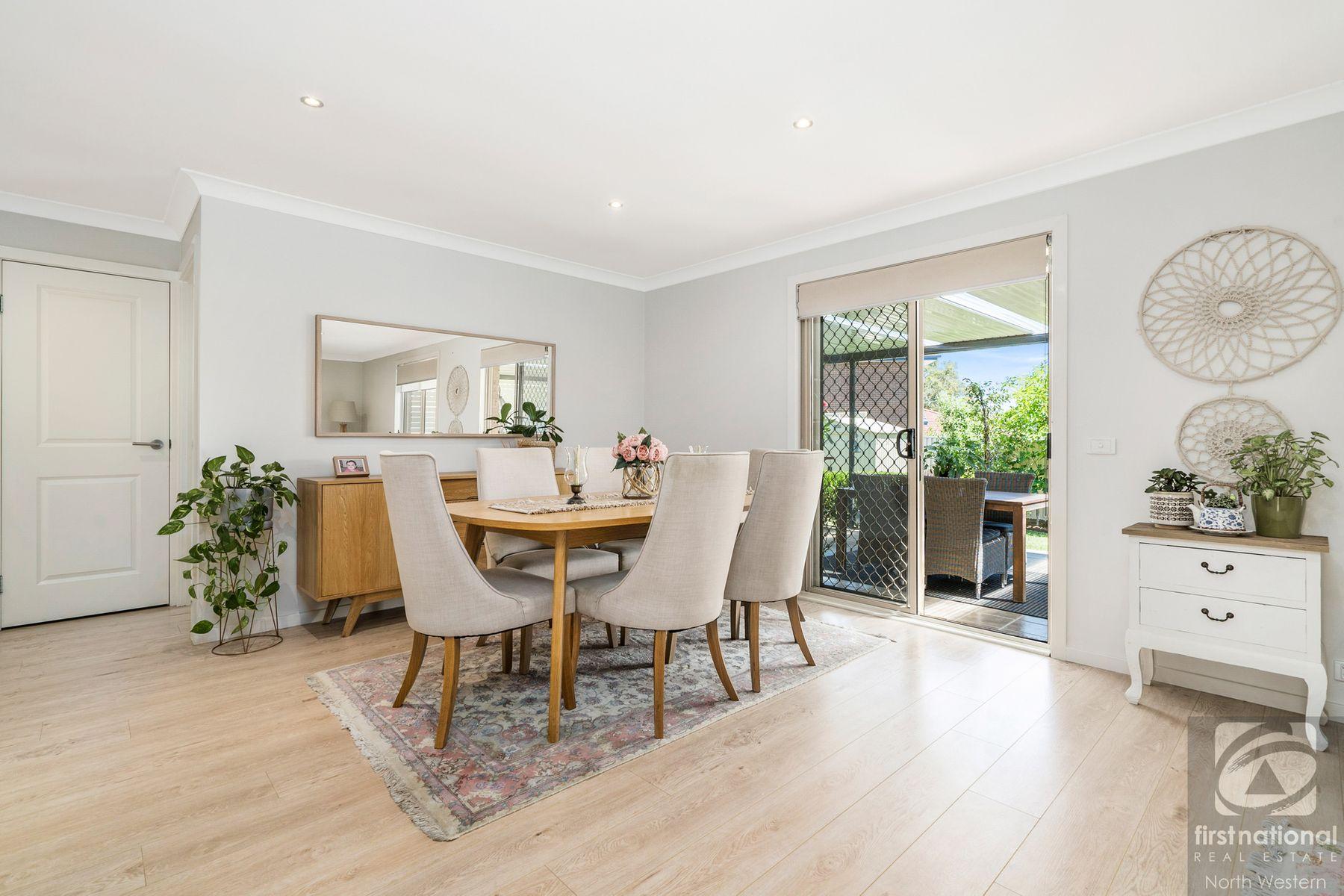 15 Phoenix Avenue, Stanhope Gardens, NSW 2768