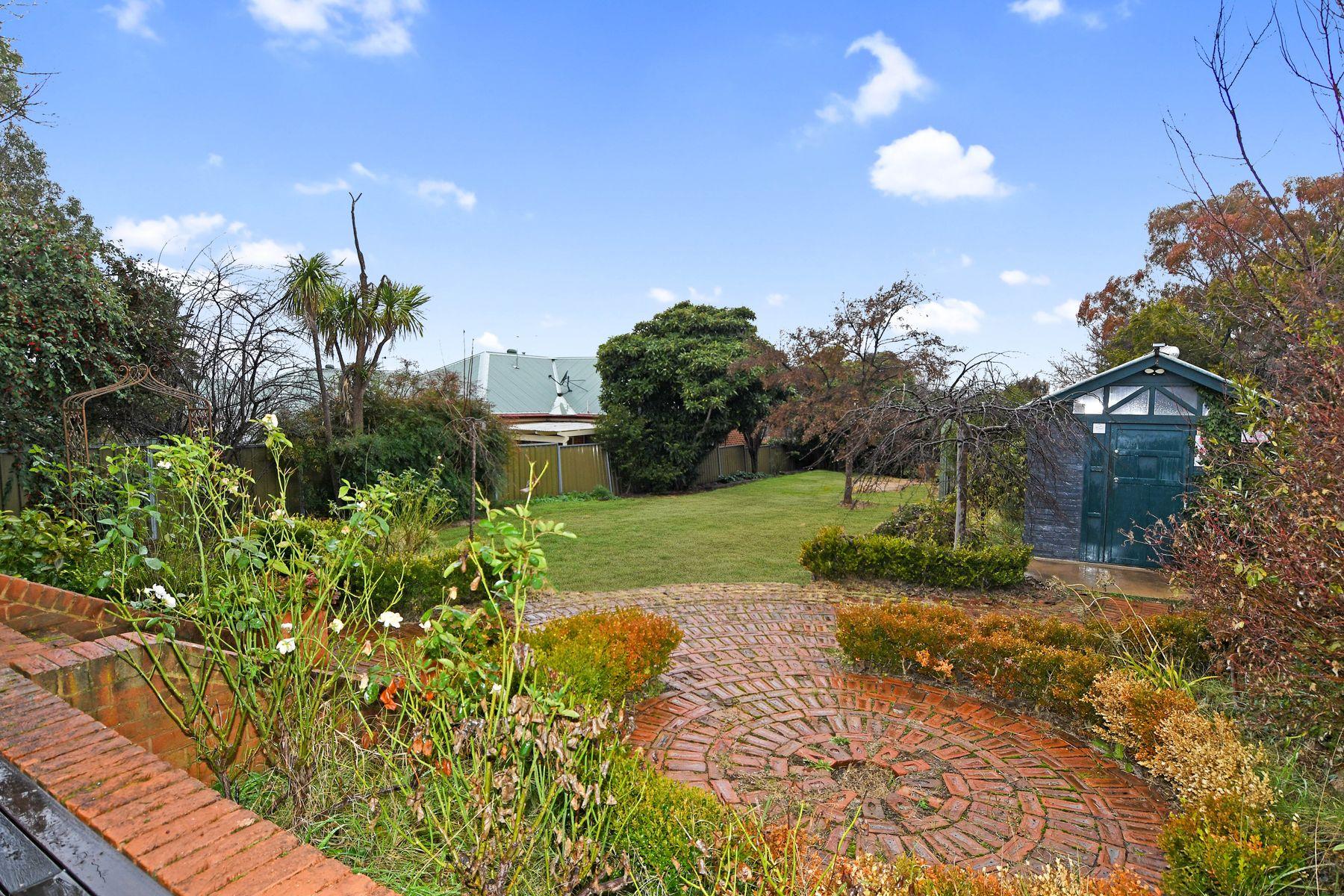 212 Seymour Street, Bathurst, NSW 2795