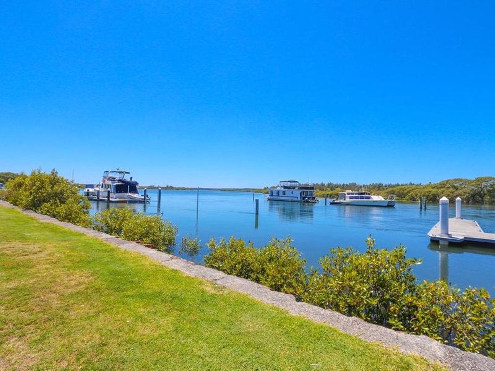 204/21 Marine Drive, Tea Gardens, NSW 2324