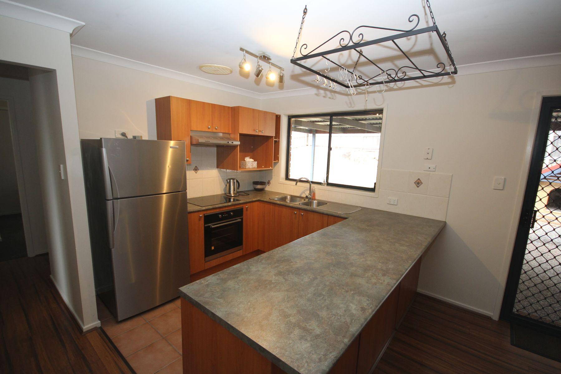 16 Coliban Court, Collingwood Park, QLD 4301