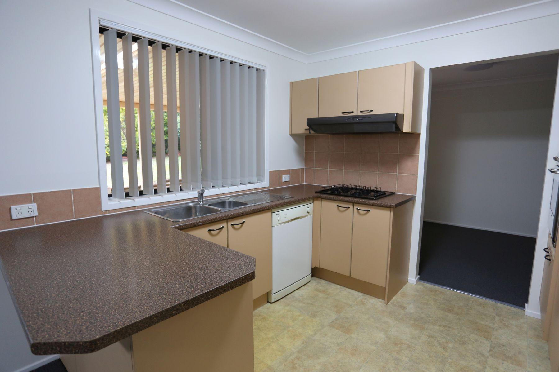31 Freeman Circuit, Ingleburn, NSW 2565