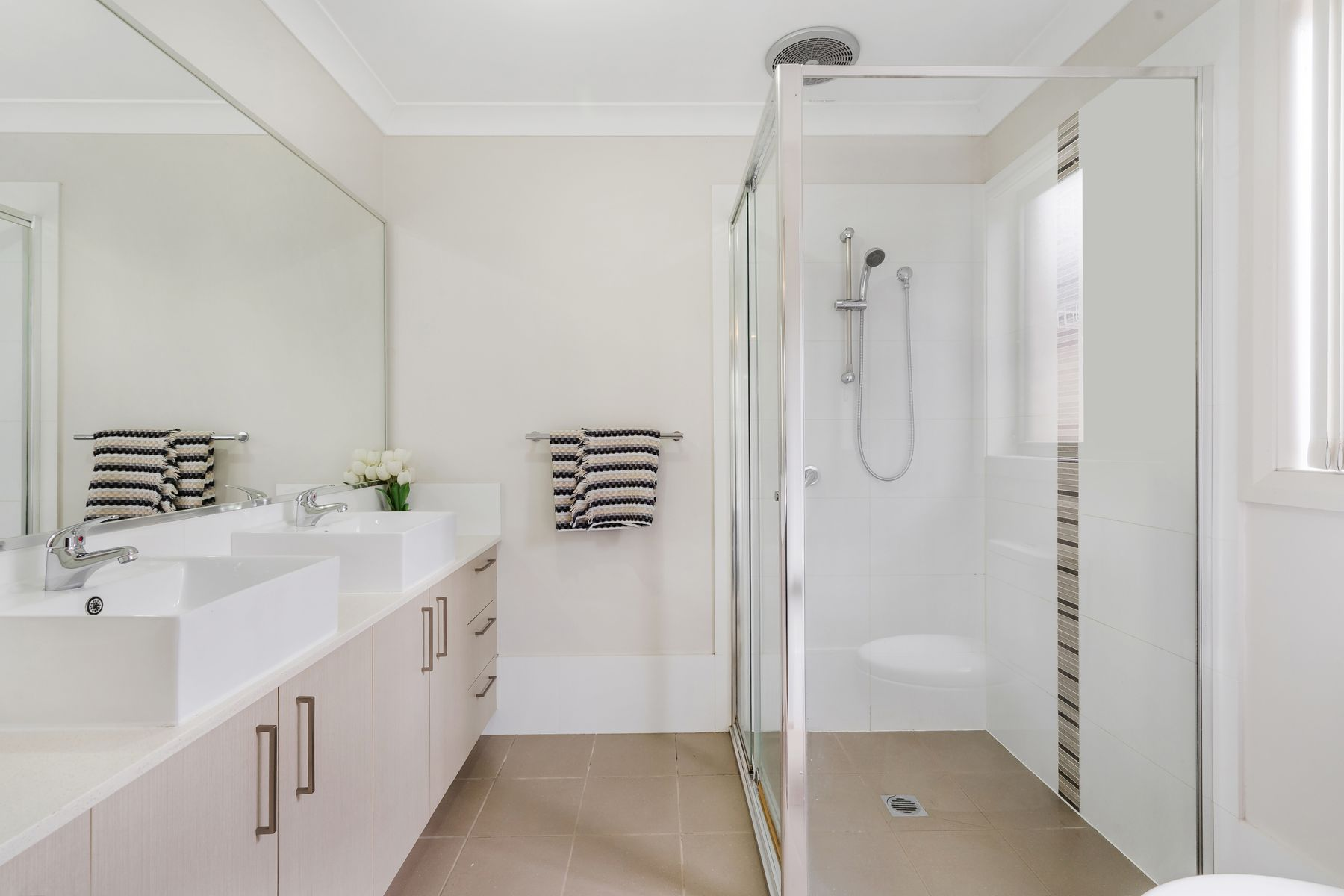 32 Bird Walton Avenue, Middleton Grange, NSW 2171