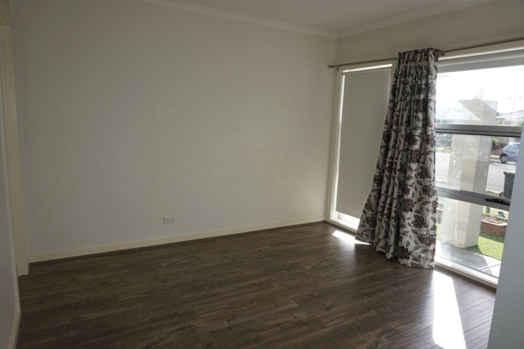 27 Andrew Road, Truganina, VIC 3029