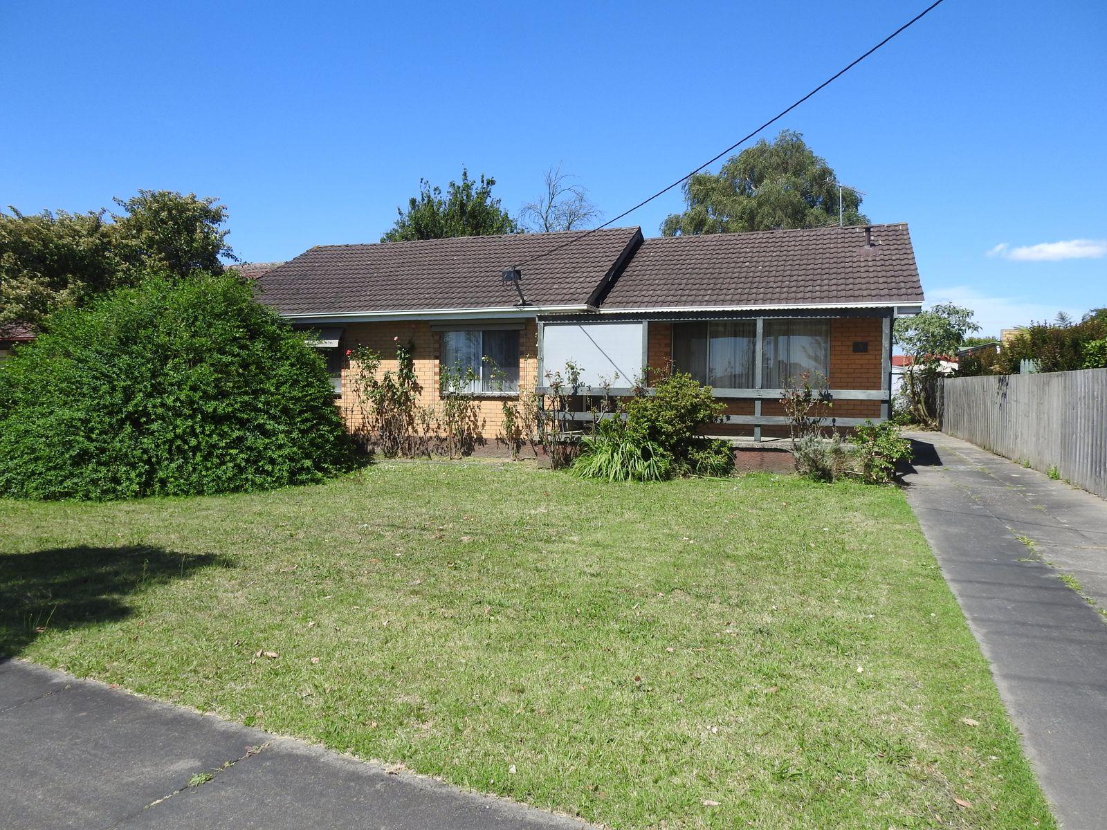 9 Watsons Road North, Moe, VIC 3825